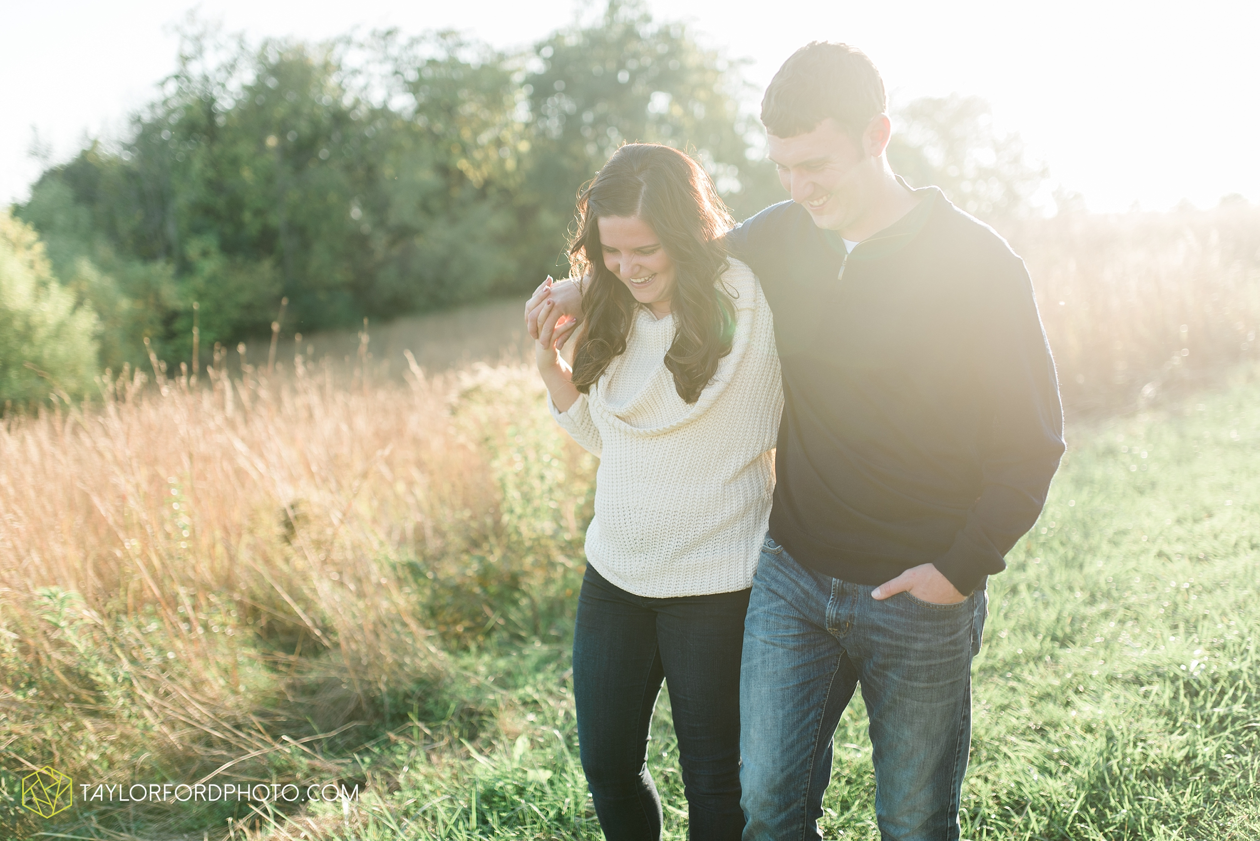 fort-wayne-indiana-engagement-wedding-photographer-Taylor-Ford-Photography-salomon-farm-park_3564.jpg
