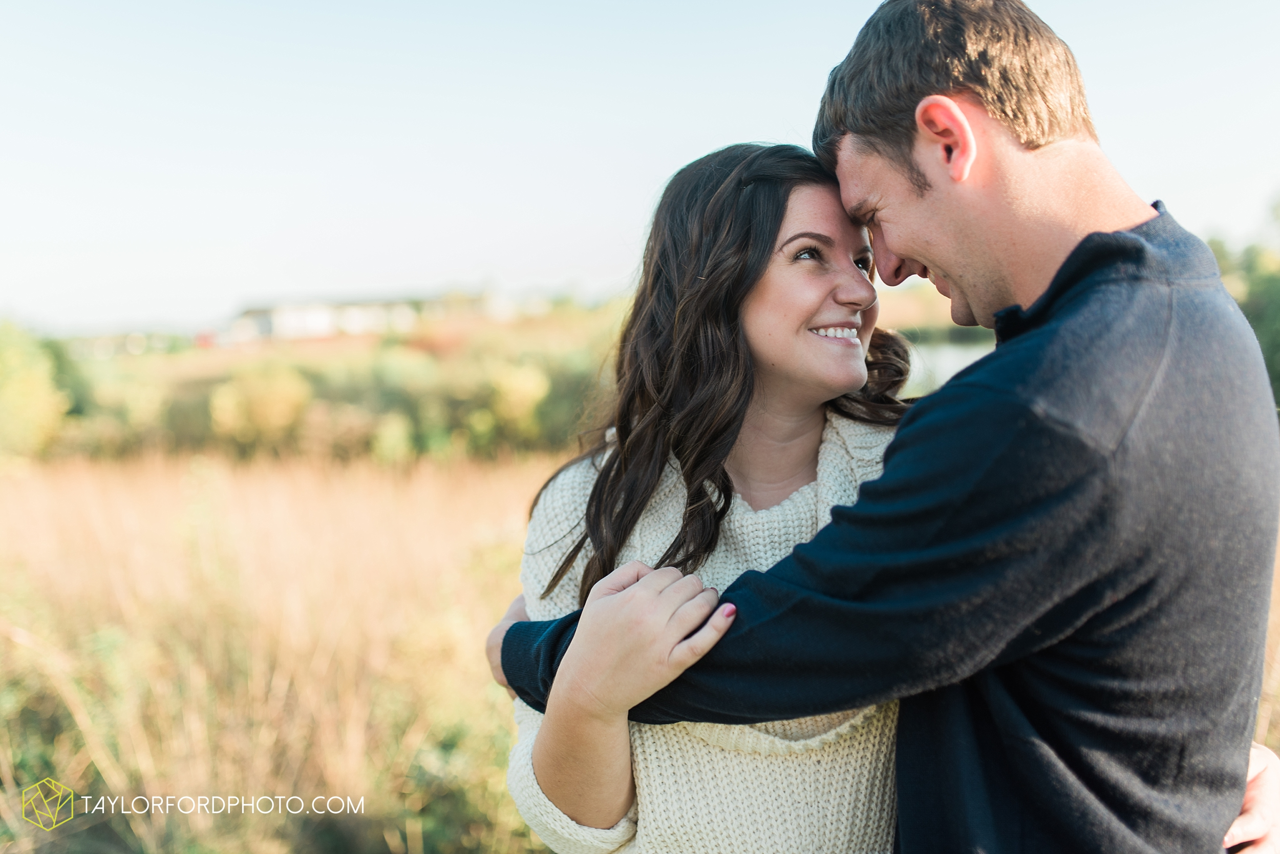 fort-wayne-indiana-engagement-wedding-photographer-Taylor-Ford-Photography-salomon-farm-park_3566.jpg