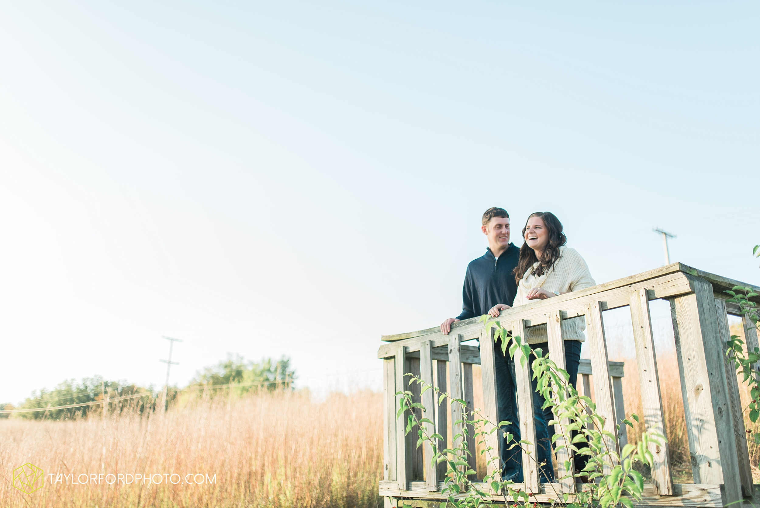 fort-wayne-indiana-engagement-wedding-photographer-Taylor-Ford-Photography-salomon-farm-park_3567.jpg