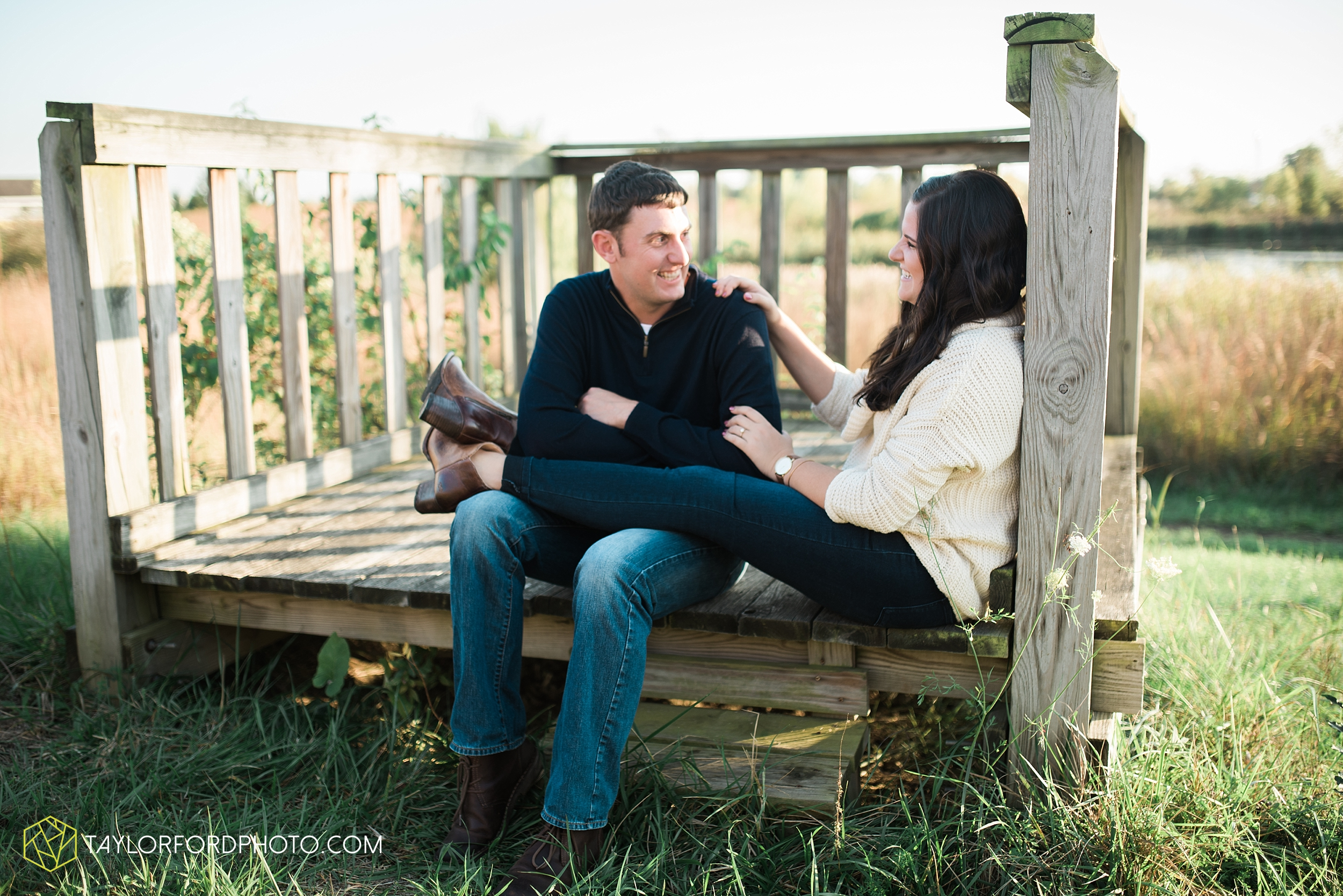 fort-wayne-indiana-engagement-wedding-photographer-Taylor-Ford-Photography-salomon-farm-park_3568.jpg