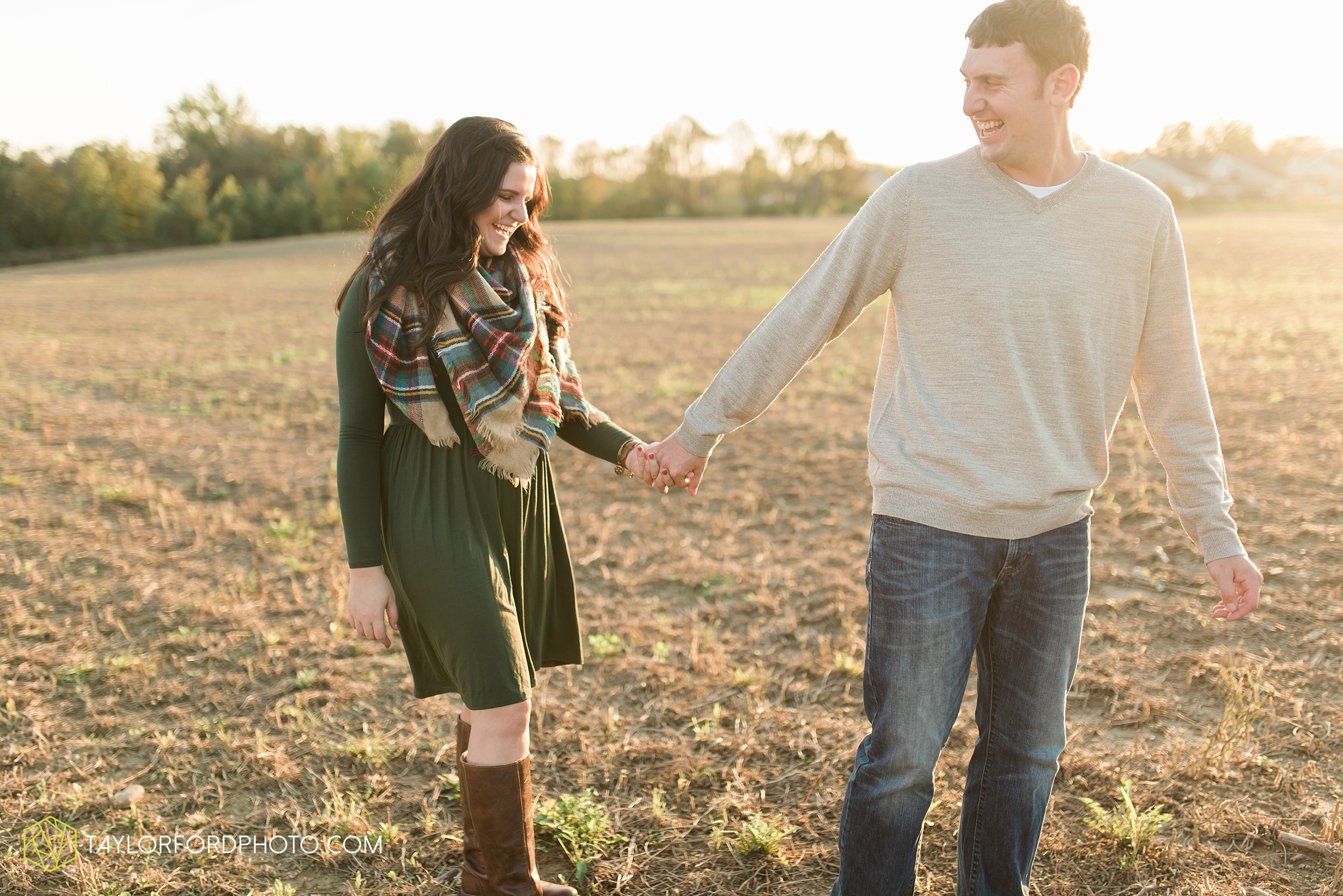 fort-wayne-indiana-engagement-wedding-photographer-Taylor-Ford-Photography-salomon-farm-park_3579.jpg