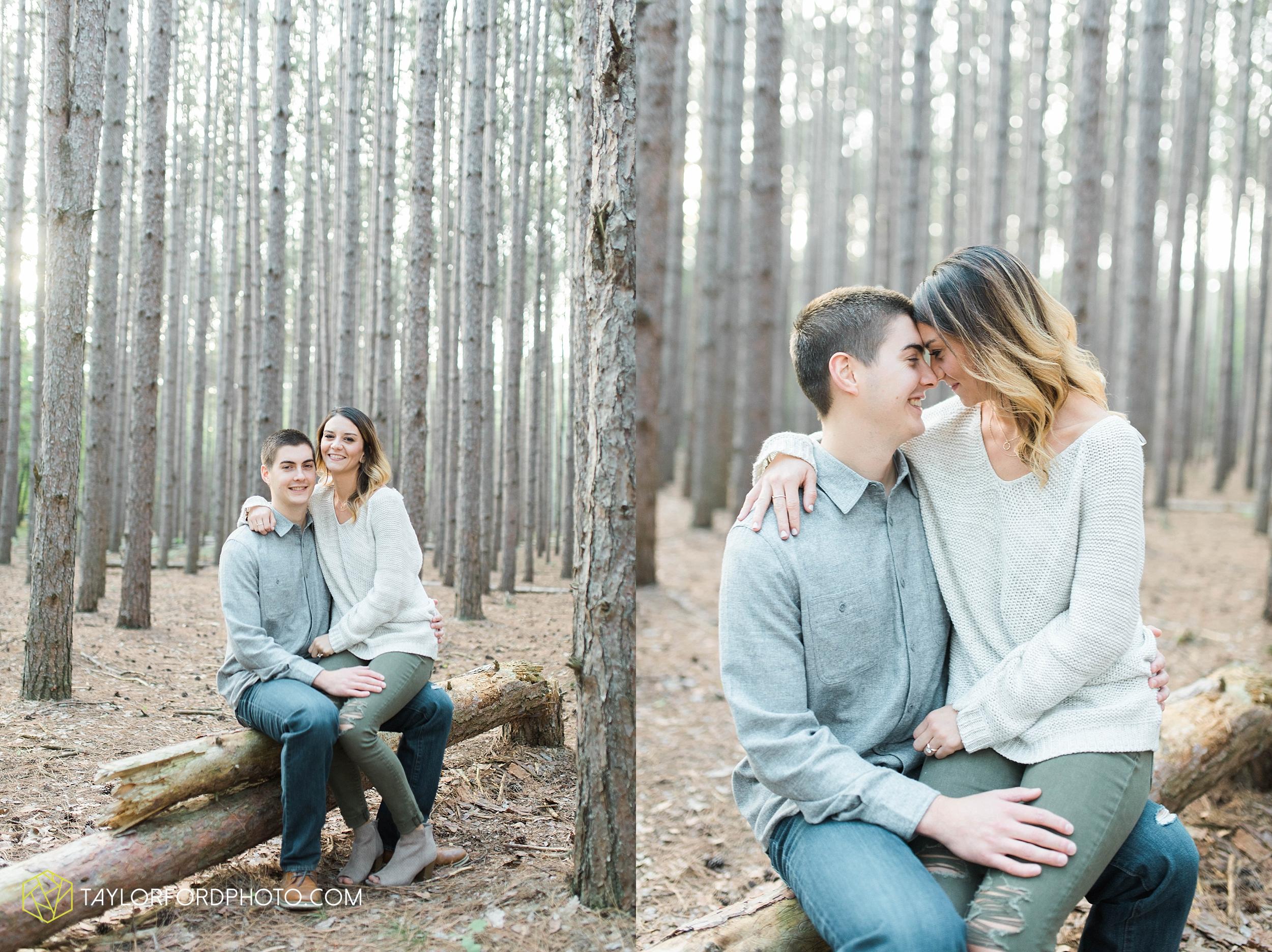 toledo-ohio-engagement-wedding-photographer-Taylor-Ford-Photography-oaks-openings-toledo-metro_3677.jpg