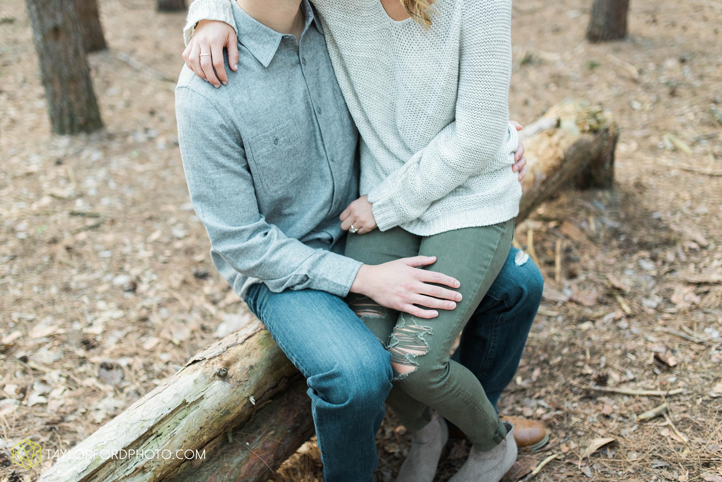 toledo-ohio-engagement-wedding-photographer-Taylor-Ford-Photography-oaks-openings-toledo-metro_3678.jpg