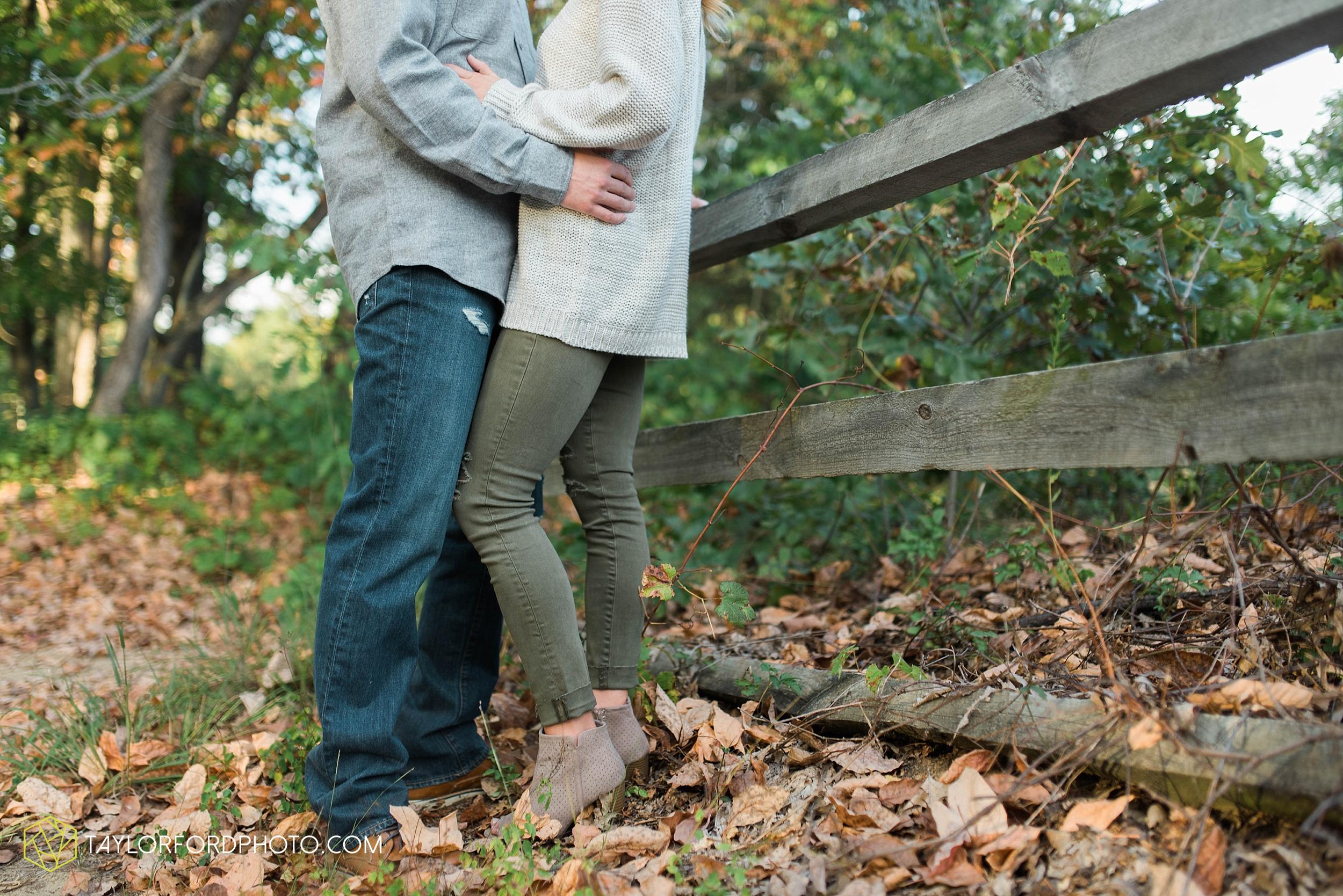 toledo-ohio-engagement-wedding-photographer-Taylor-Ford-Photography-oaks-openings-toledo-metro_3681.jpg