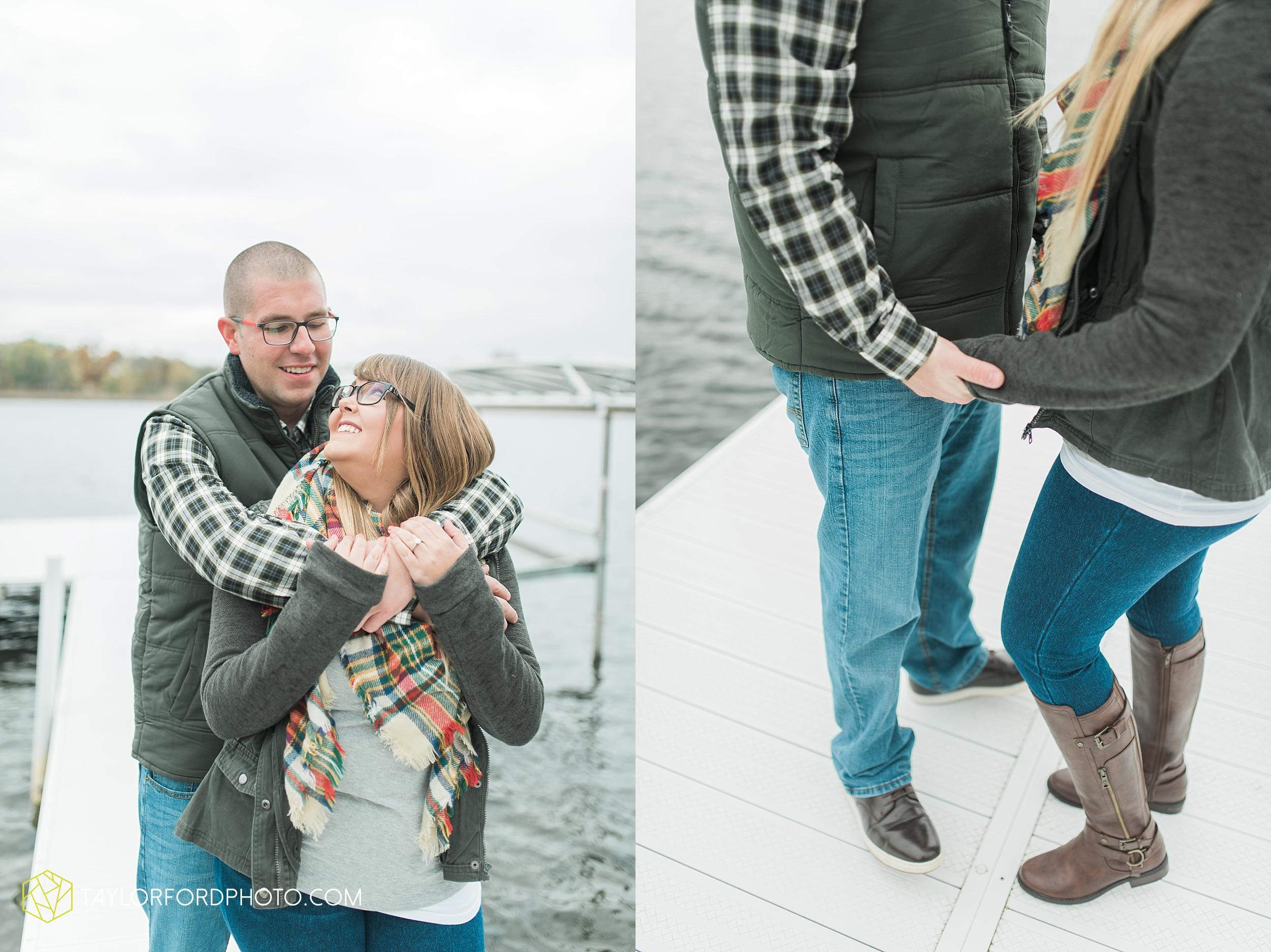 angola-indiana-crooked-lake-engagement-wedding-photographer-Taylor-Ford-Photography-winter-frozen-lake_4234.jpg