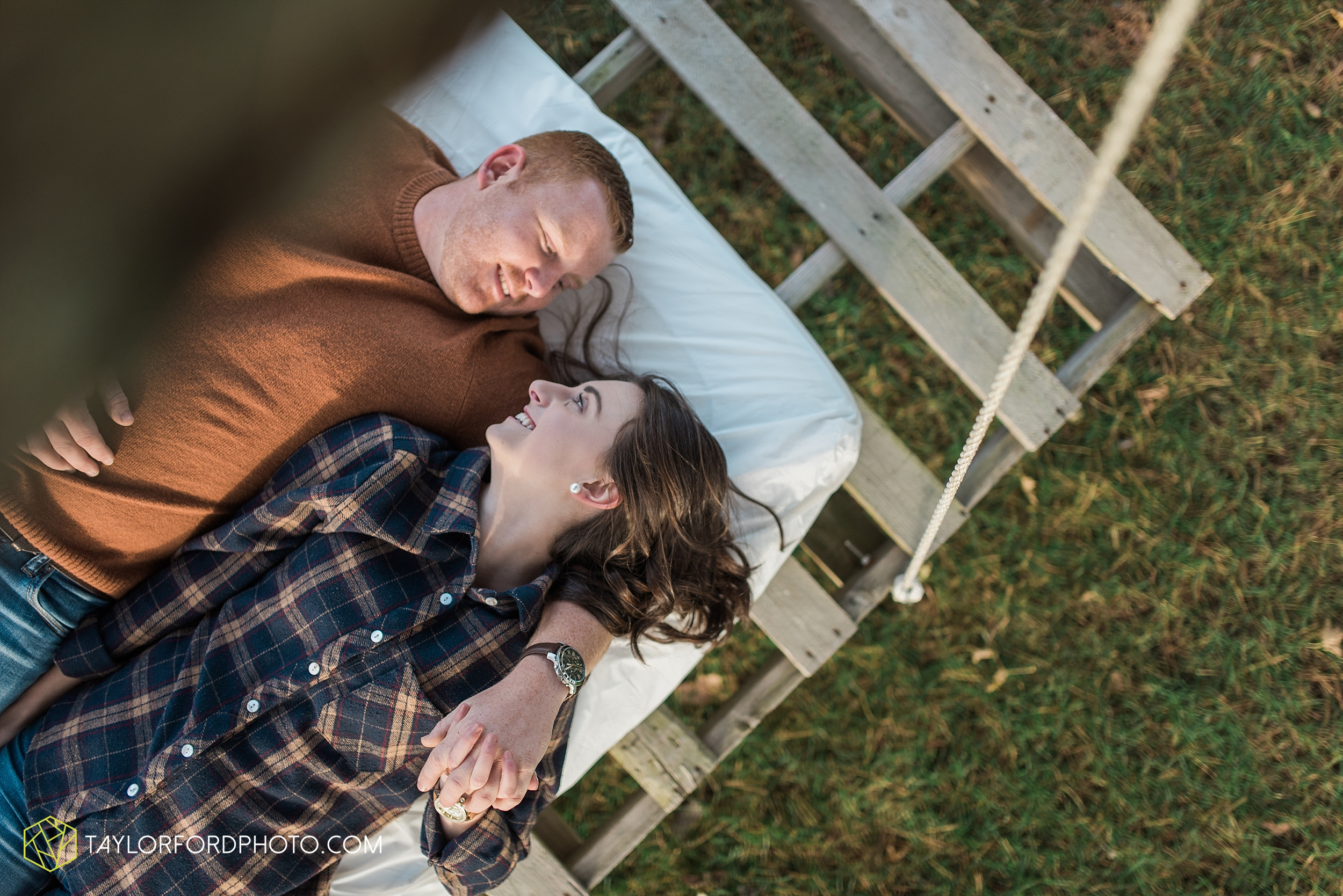 van-wert-ohio-engagement-photography-farm-life-photographer-Taylor-Ford-Photography_4528.jpg