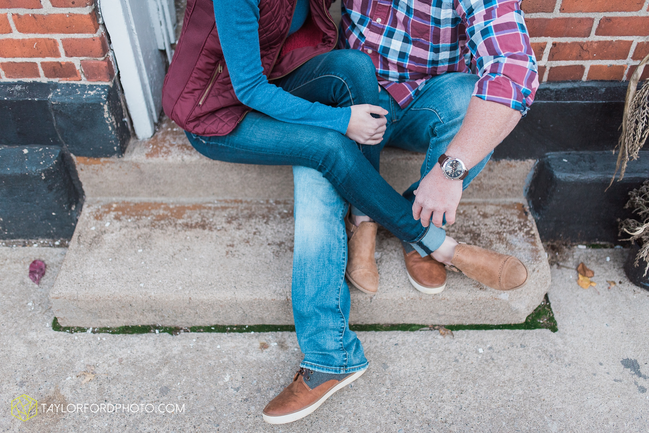 van-wert-ohio-engagement-photography-farm-life-photographer-Taylor-Ford-Photography_4546.jpg