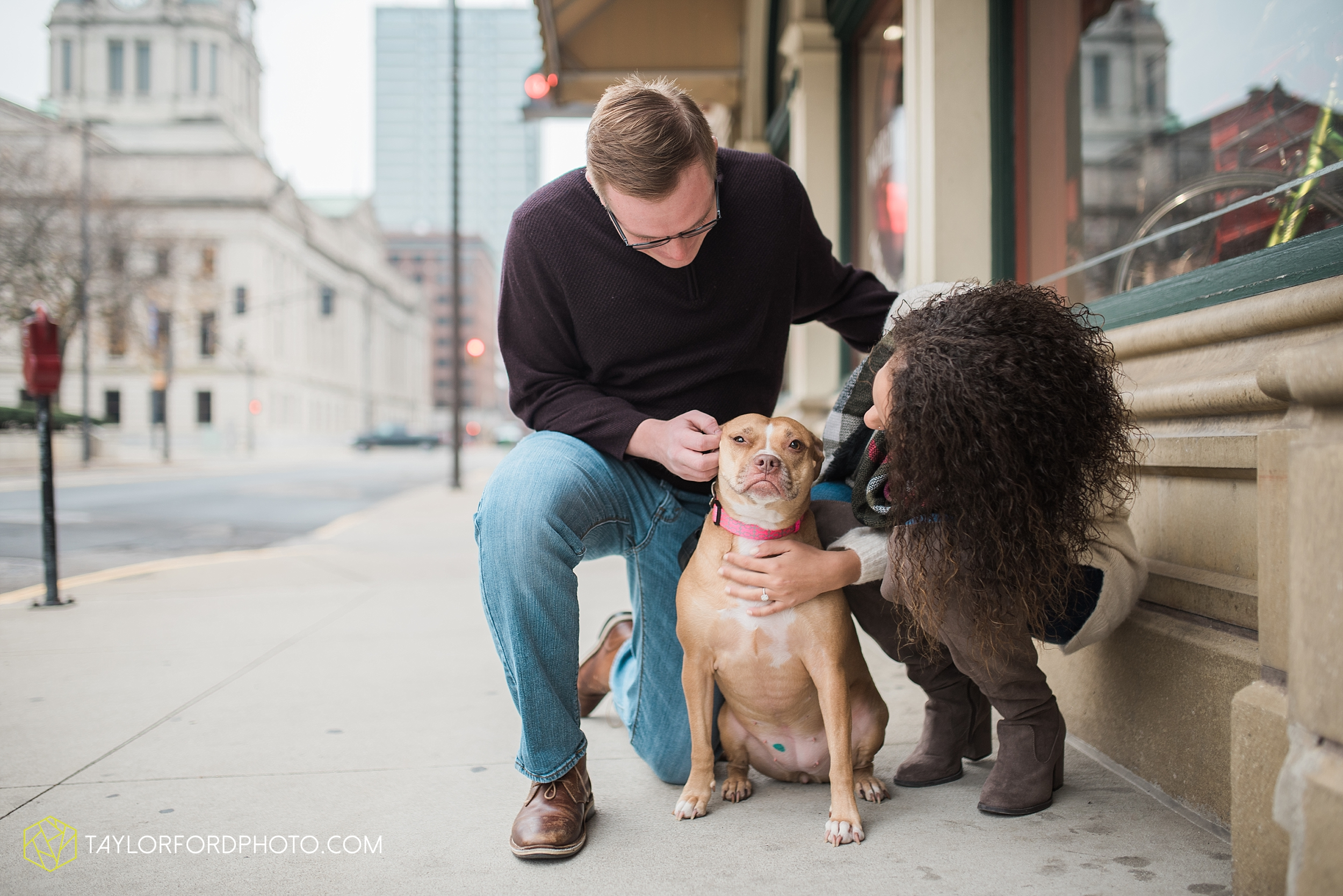 fort-wayne-indiana-engagement-photographer-rainy-day-session-Taylor-Ford-Photography_4984.jpg