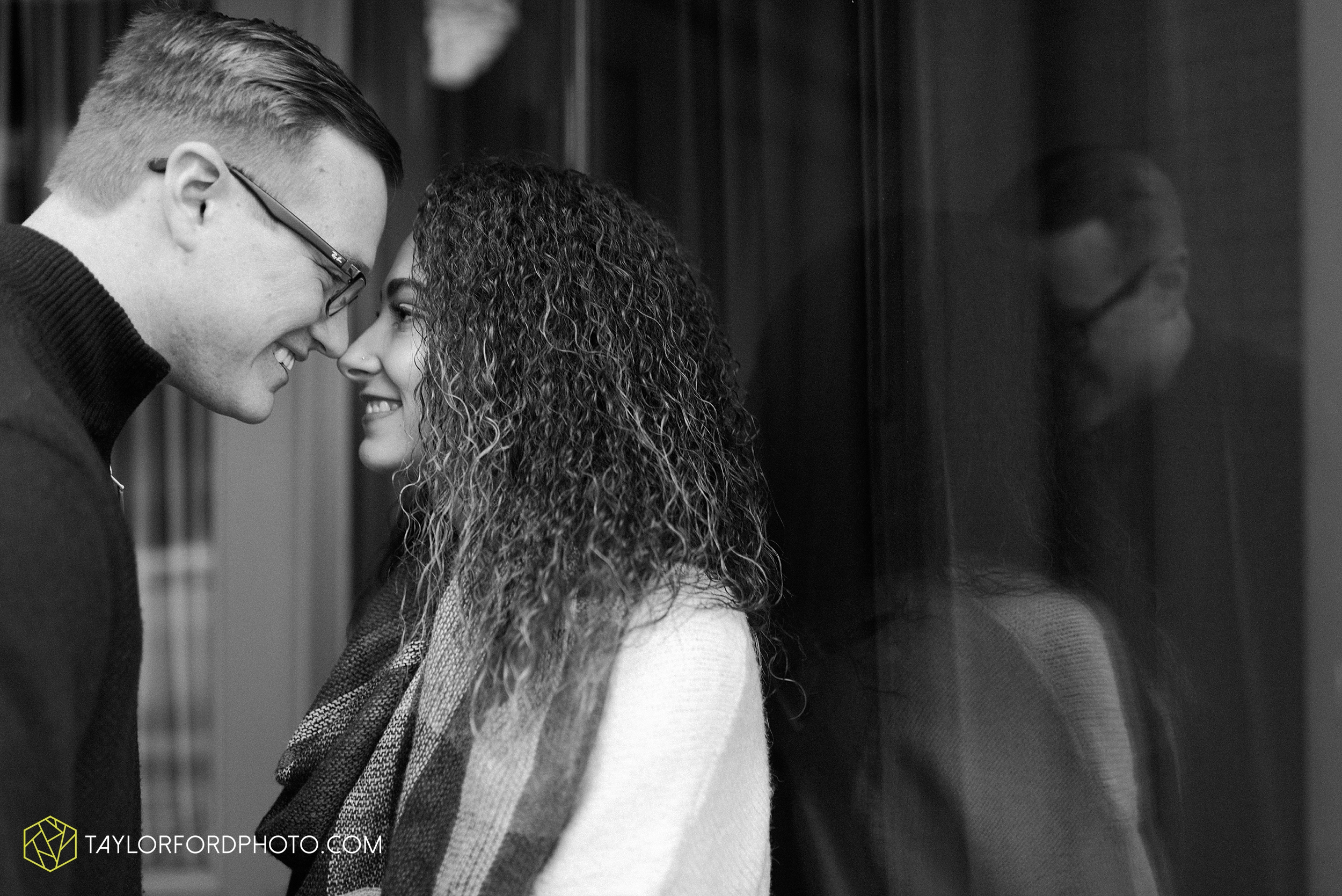 fort-wayne-indiana-engagement-photographer-rainy-day-session-Taylor-Ford-Photography_4996.jpg