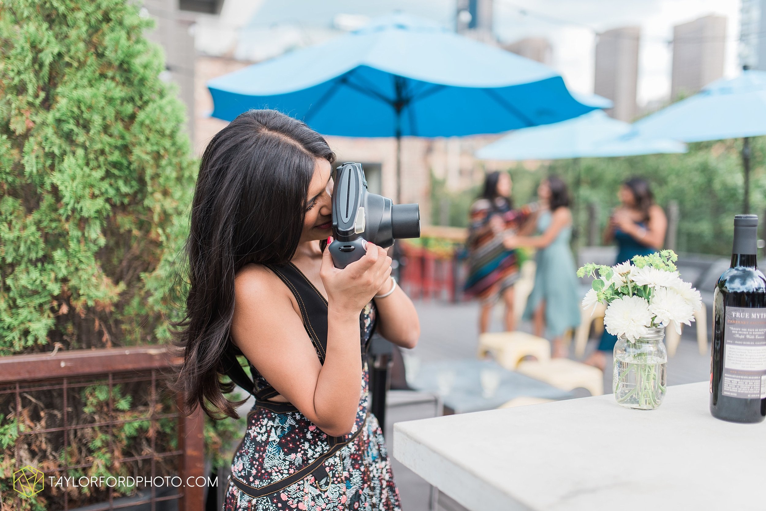 chicago-illinois-bridal-shower-wedding-engagement-photographer-Taylor-Ford-Photography-the-little-goat-diner-rooftop-indian-ceremony_5122.jpg