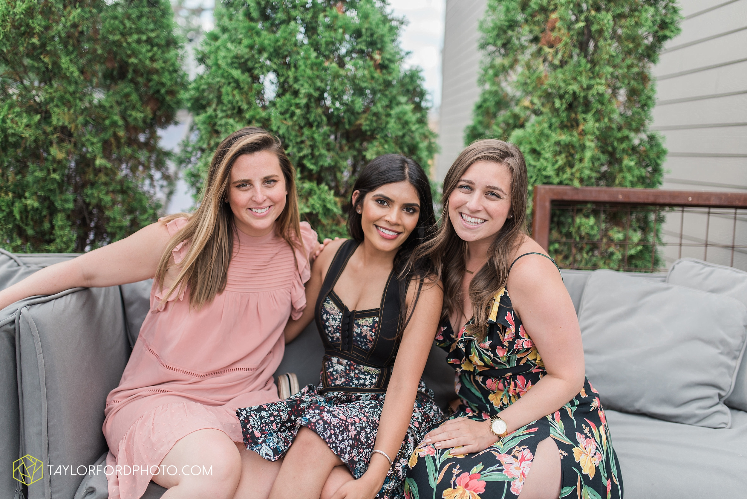 chicago-illinois-bridal-shower-wedding-engagement-photographer-Taylor-Ford-Photography-the-little-goat-diner-rooftop-indian-ceremony_5125.jpg