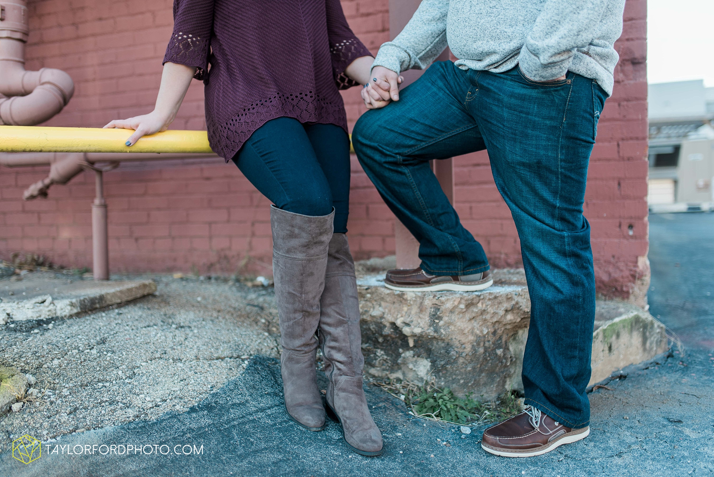 fort-wayne-new-haven-indiana-engagement-photographer-Taylor-Ford-Photography_5234.jpg