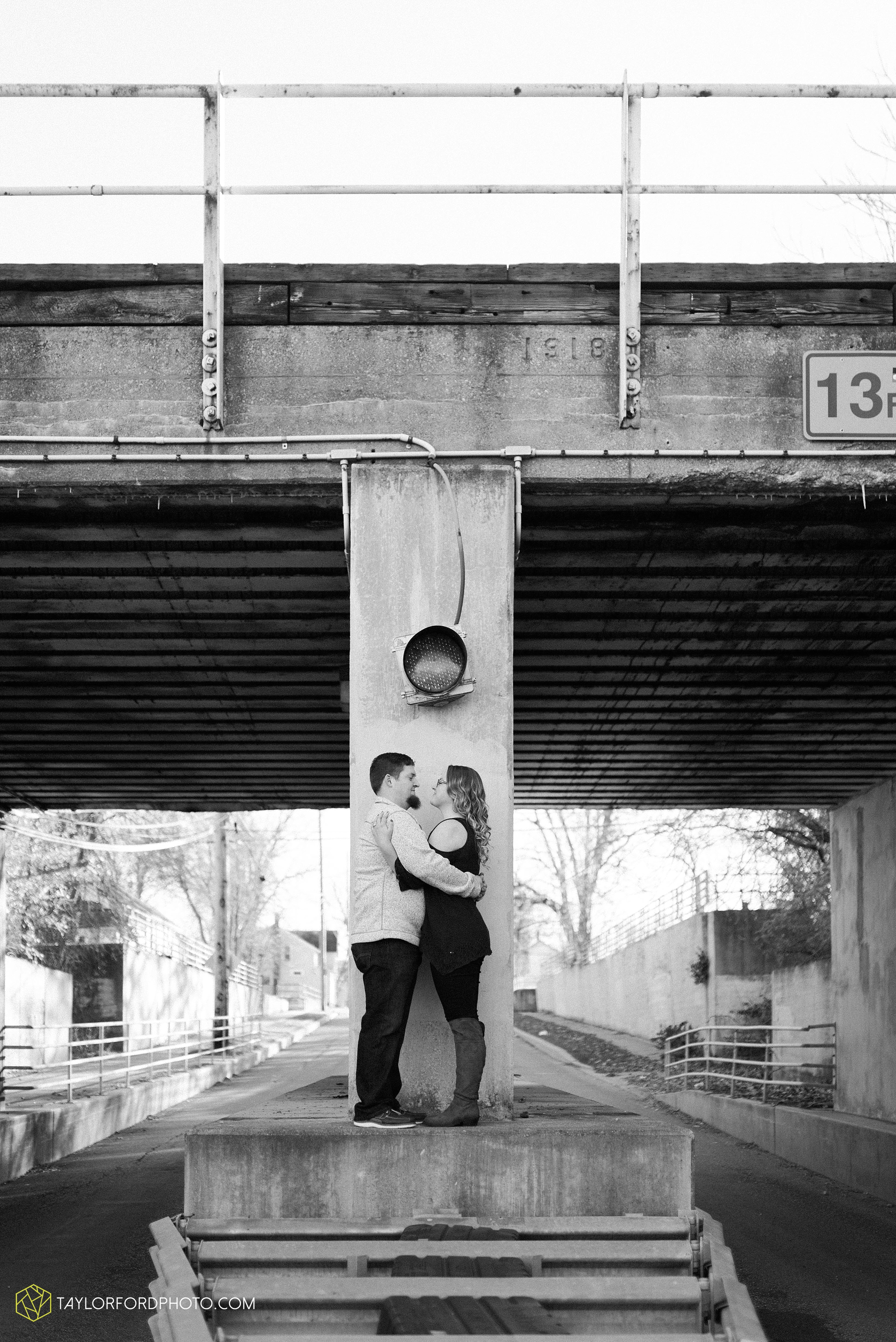 fort-wayne-new-haven-indiana-engagement-photographer-Taylor-Ford-Photography_5239.jpg