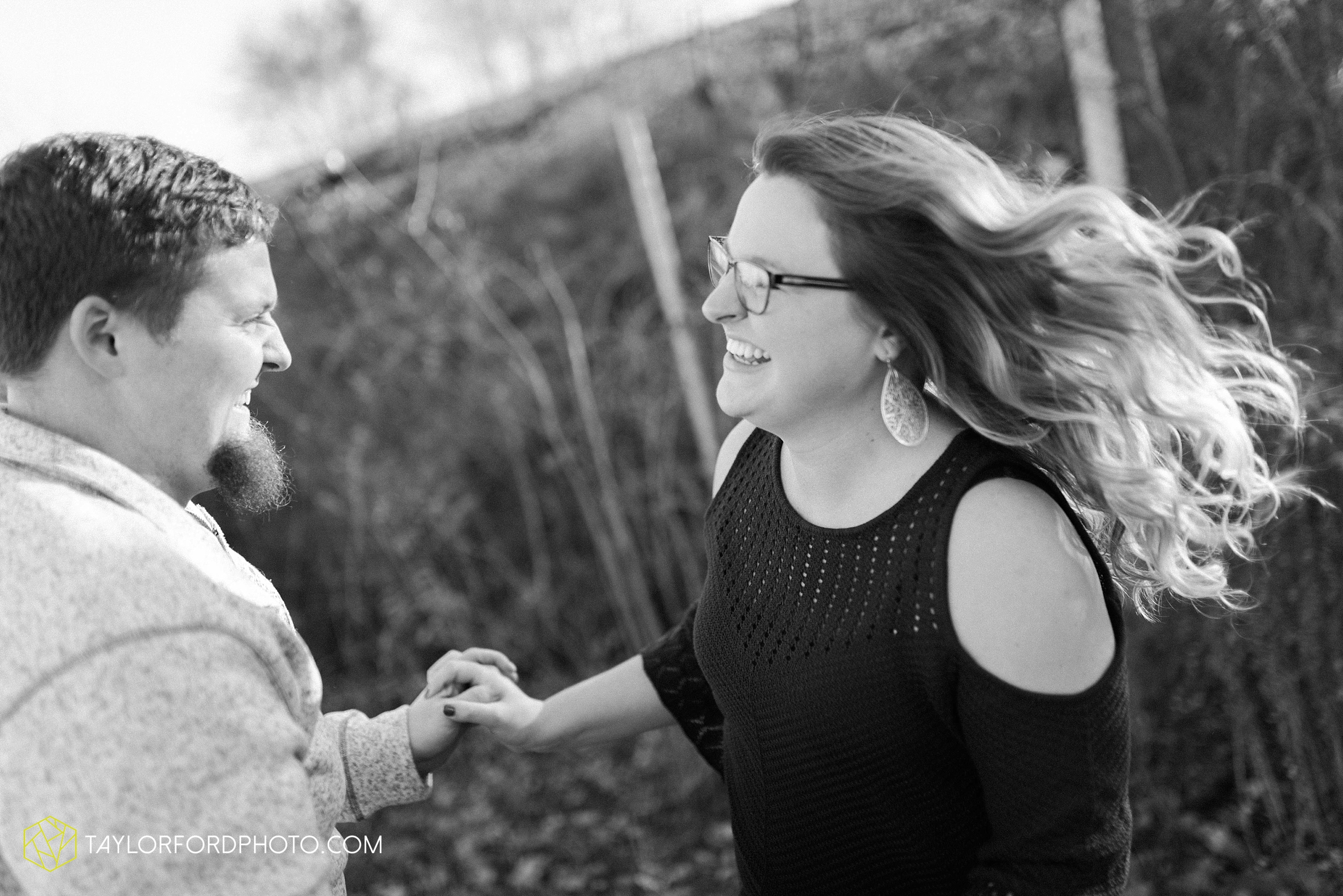 fort-wayne-new-haven-indiana-engagement-photographer-Taylor-Ford-Photography_5241.jpg