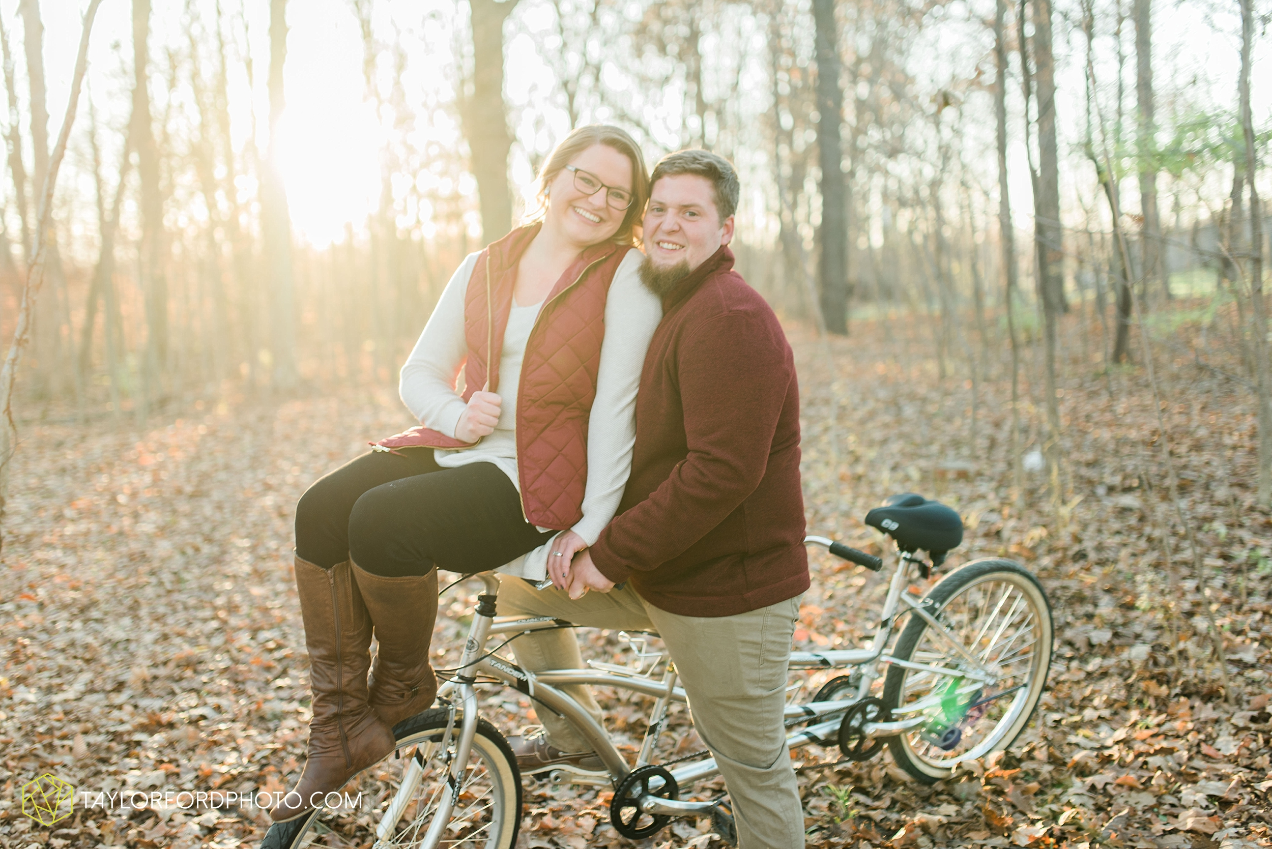 fort-wayne-new-haven-indiana-engagement-photographer-Taylor-Ford-Photography_5251.jpg
