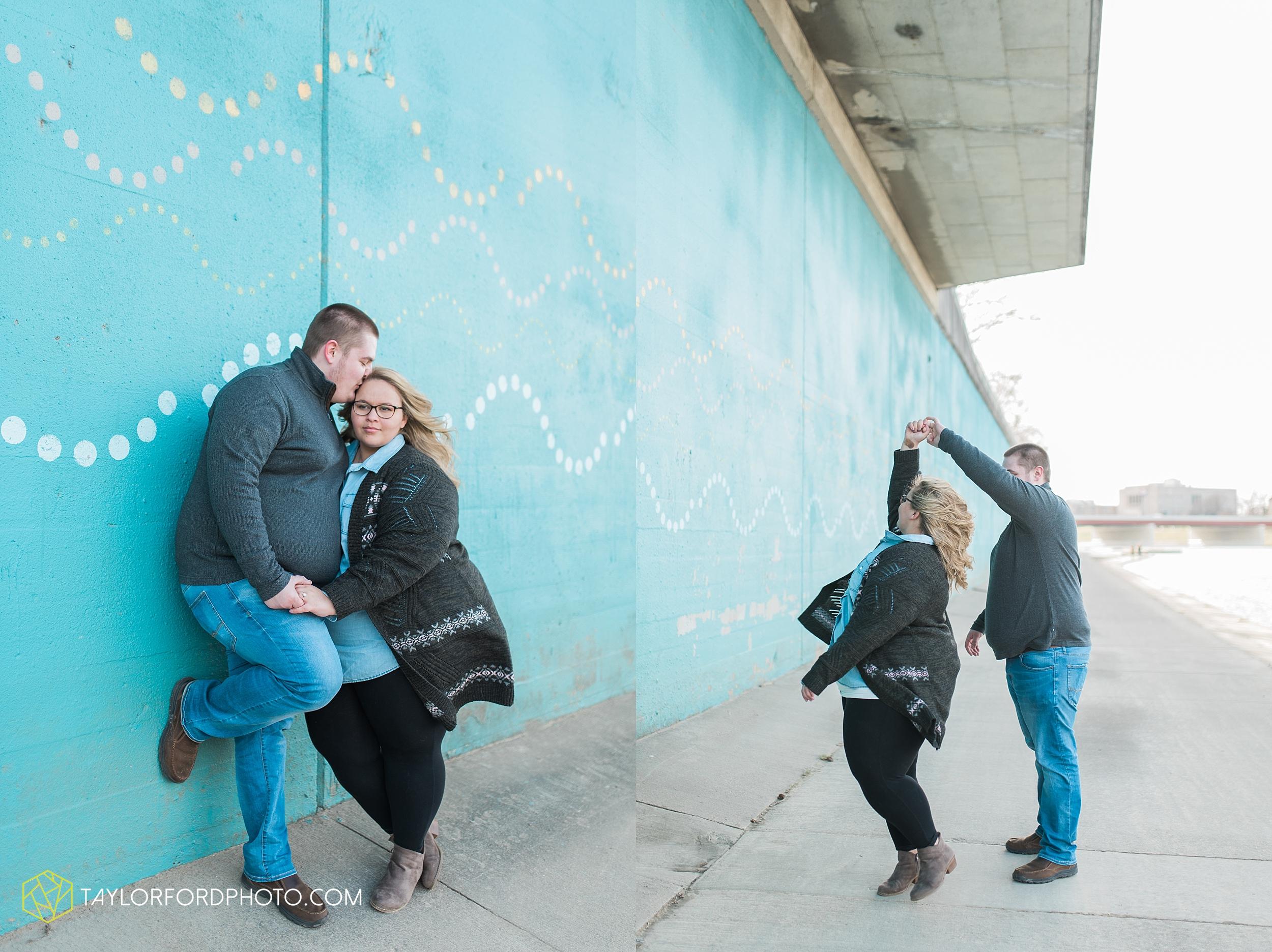 dayton-ohio-engagement-photographer-oregon-district-riverfront-metro-Taylor-Ford-Photography_6468.jpg