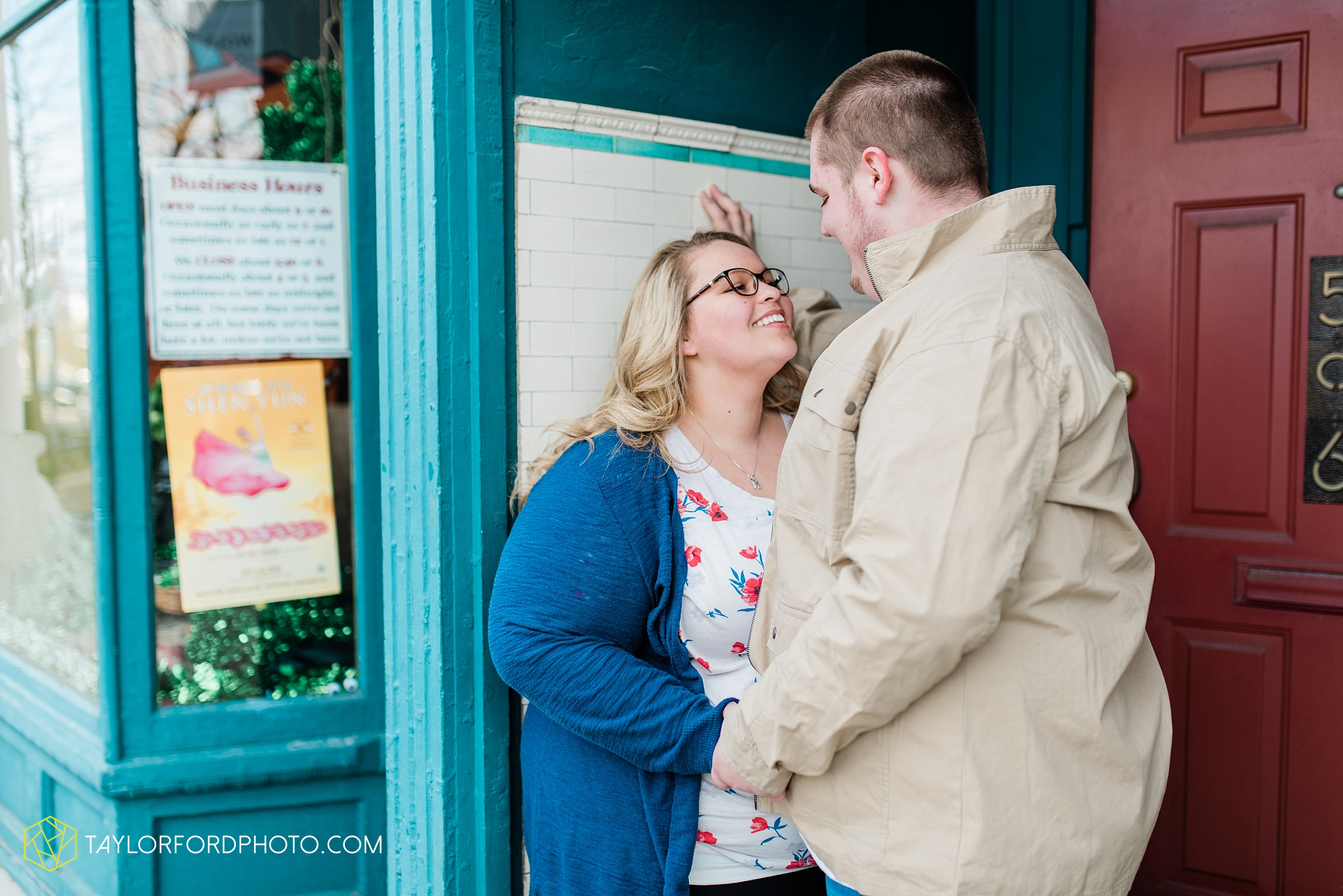 dayton-ohio-engagement-photographer-oregon-district-riverfront-metro-Taylor-Ford-Photography_6479.jpg