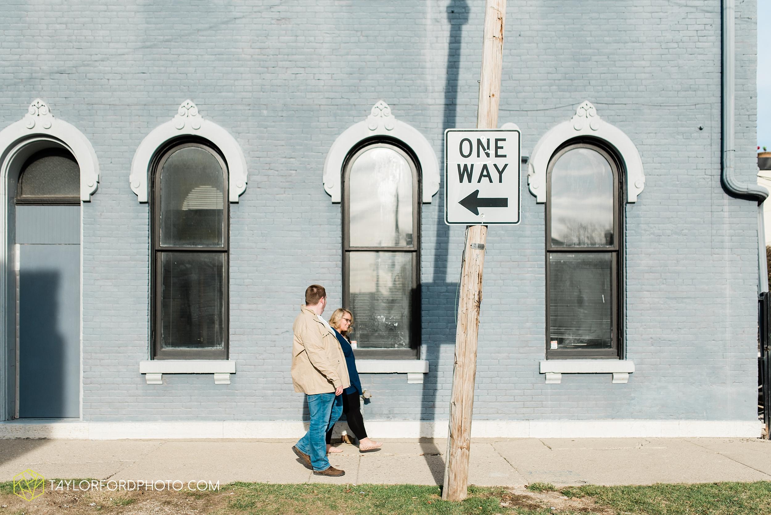 dayton-ohio-engagement-photographer-oregon-district-riverfront-metro-Taylor-Ford-Photography_6486.jpg