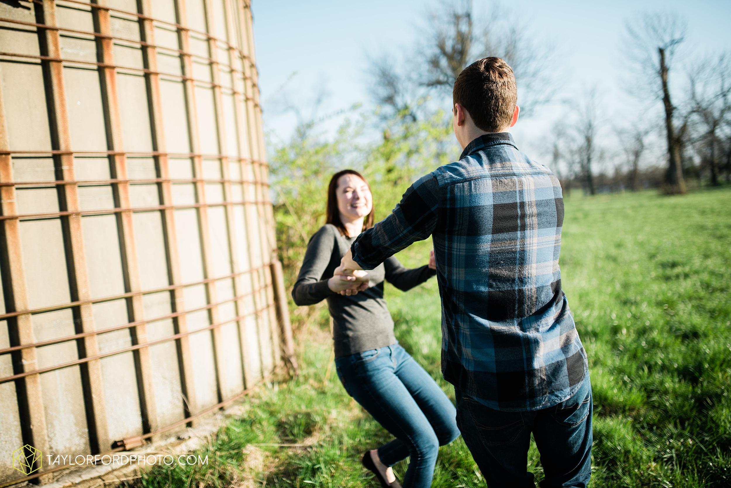 troy-ohio-engagement-wedding-photographer-Taylor-Ford-Photography_7018.jpg