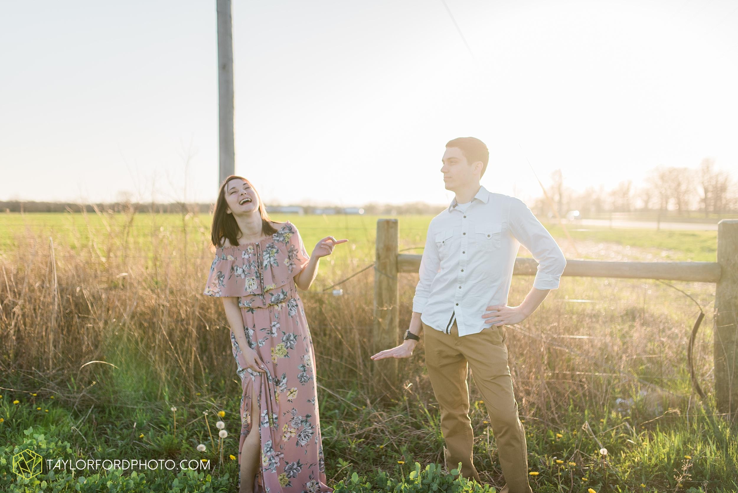 troy-ohio-engagement-wedding-photographer-Taylor-Ford-Photography_7041.jpg