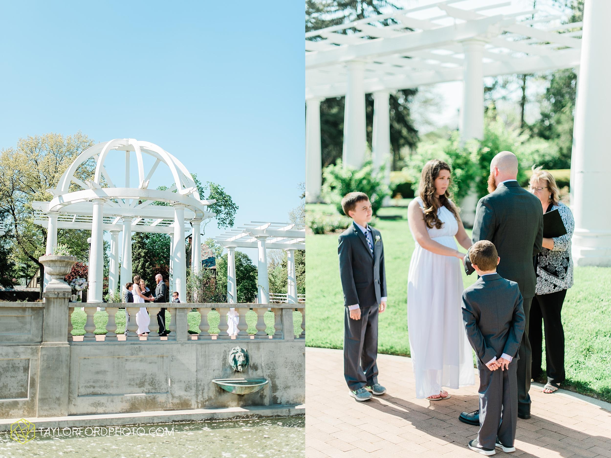 lakeside-rose-gardens-fort-wayne-indiana-elopement-wedding-photographer-Taylor-Ford-Photography_7142.jpg