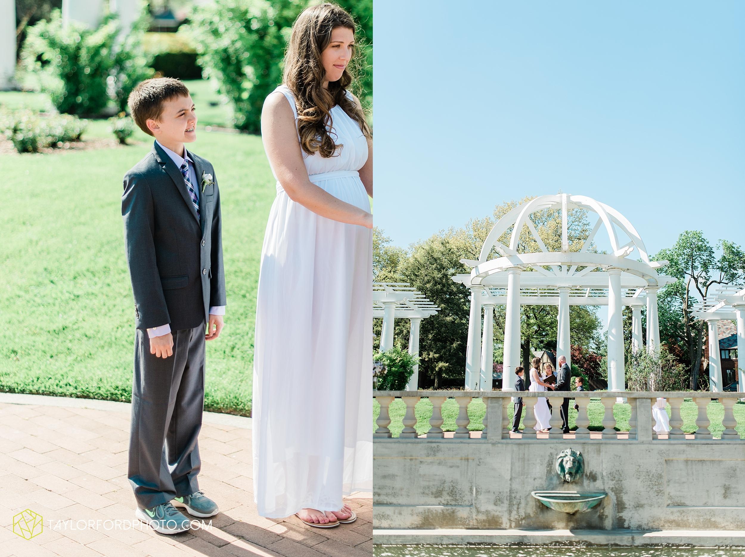 lakeside-rose-gardens-fort-wayne-indiana-elopement-wedding-photographer-Taylor-Ford-Photography_7144.jpg