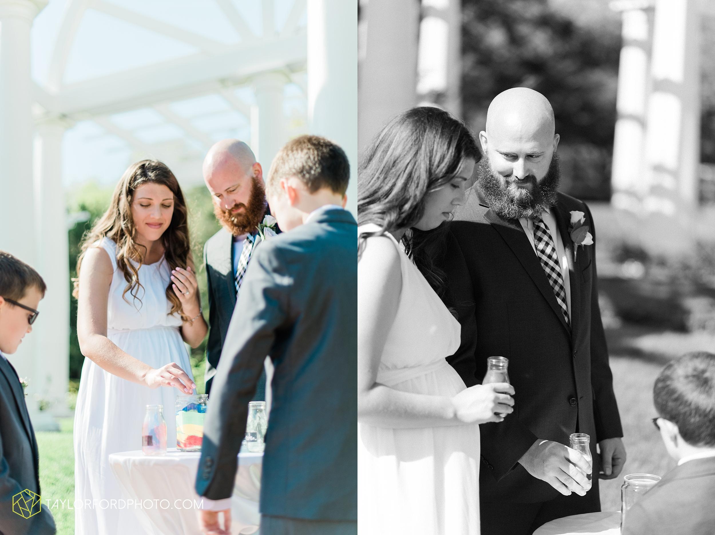 lakeside-rose-gardens-fort-wayne-indiana-elopement-wedding-photographer-Taylor-Ford-Photography_7147.jpg