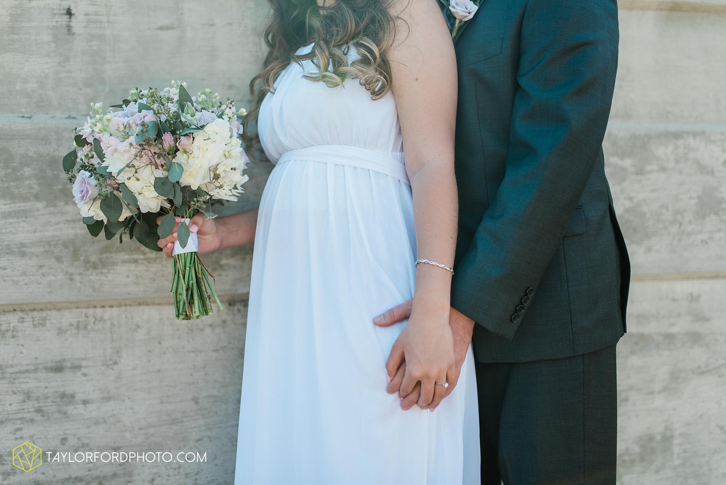 lakeside-rose-gardens-fort-wayne-indiana-elopement-wedding-photographer-Taylor-Ford-Photography_7155.jpg