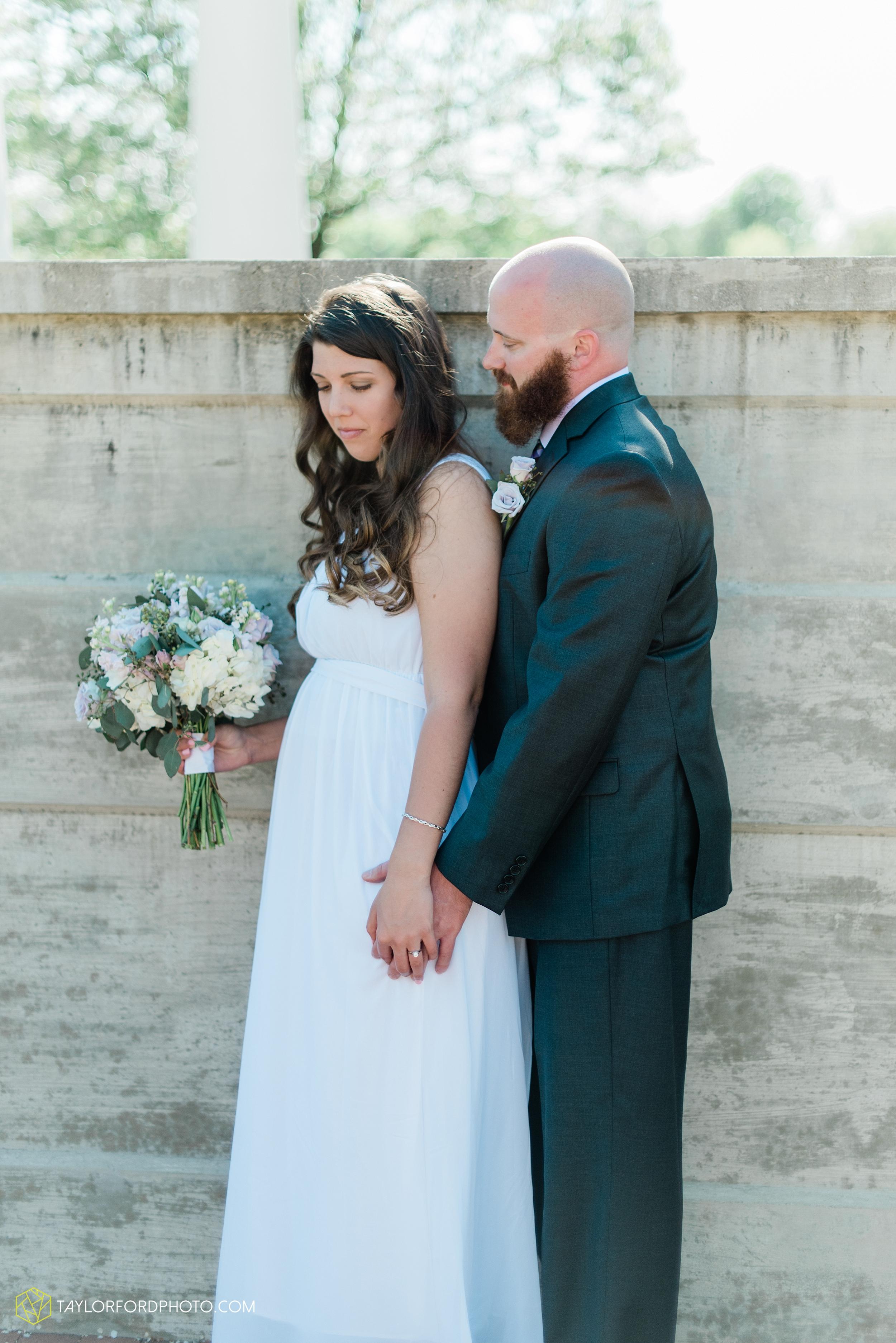 lakeside-rose-gardens-fort-wayne-indiana-elopement-wedding-photographer-Taylor-Ford-Photography_7156.jpg
