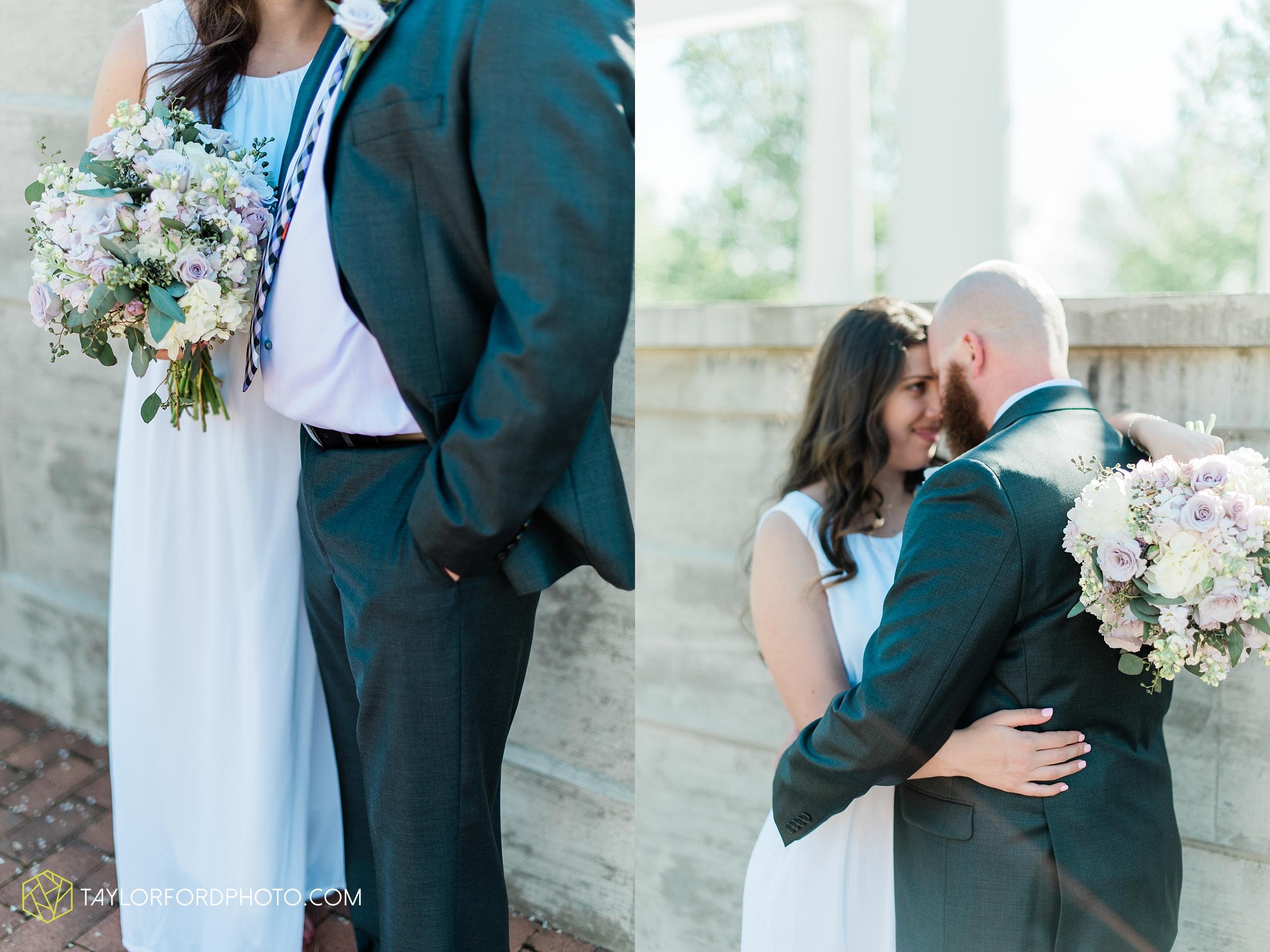 lakeside-rose-gardens-fort-wayne-indiana-elopement-wedding-photographer-Taylor-Ford-Photography_7158.jpg
