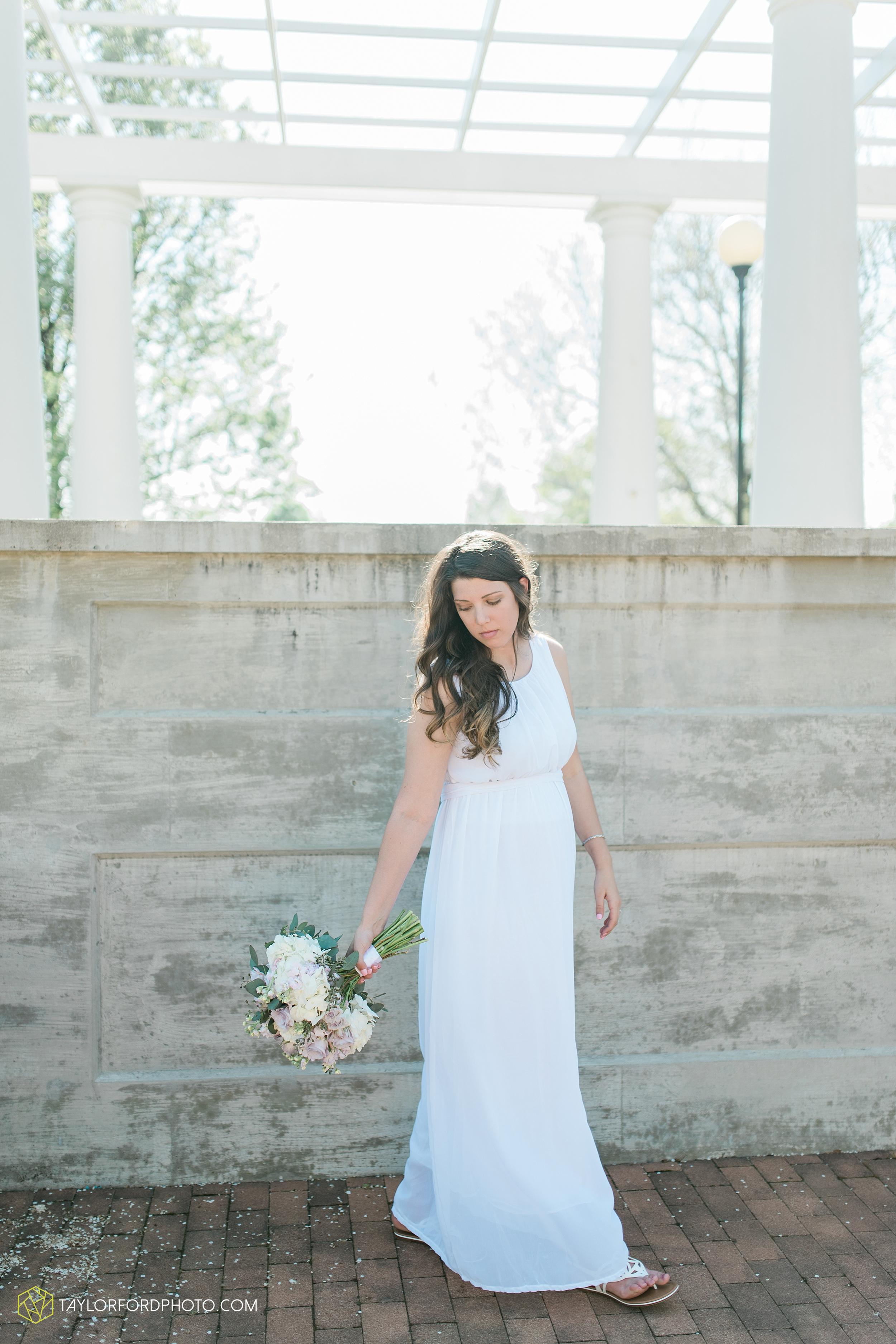 lakeside-rose-gardens-fort-wayne-indiana-elopement-wedding-photographer-Taylor-Ford-Photography_7161.jpg