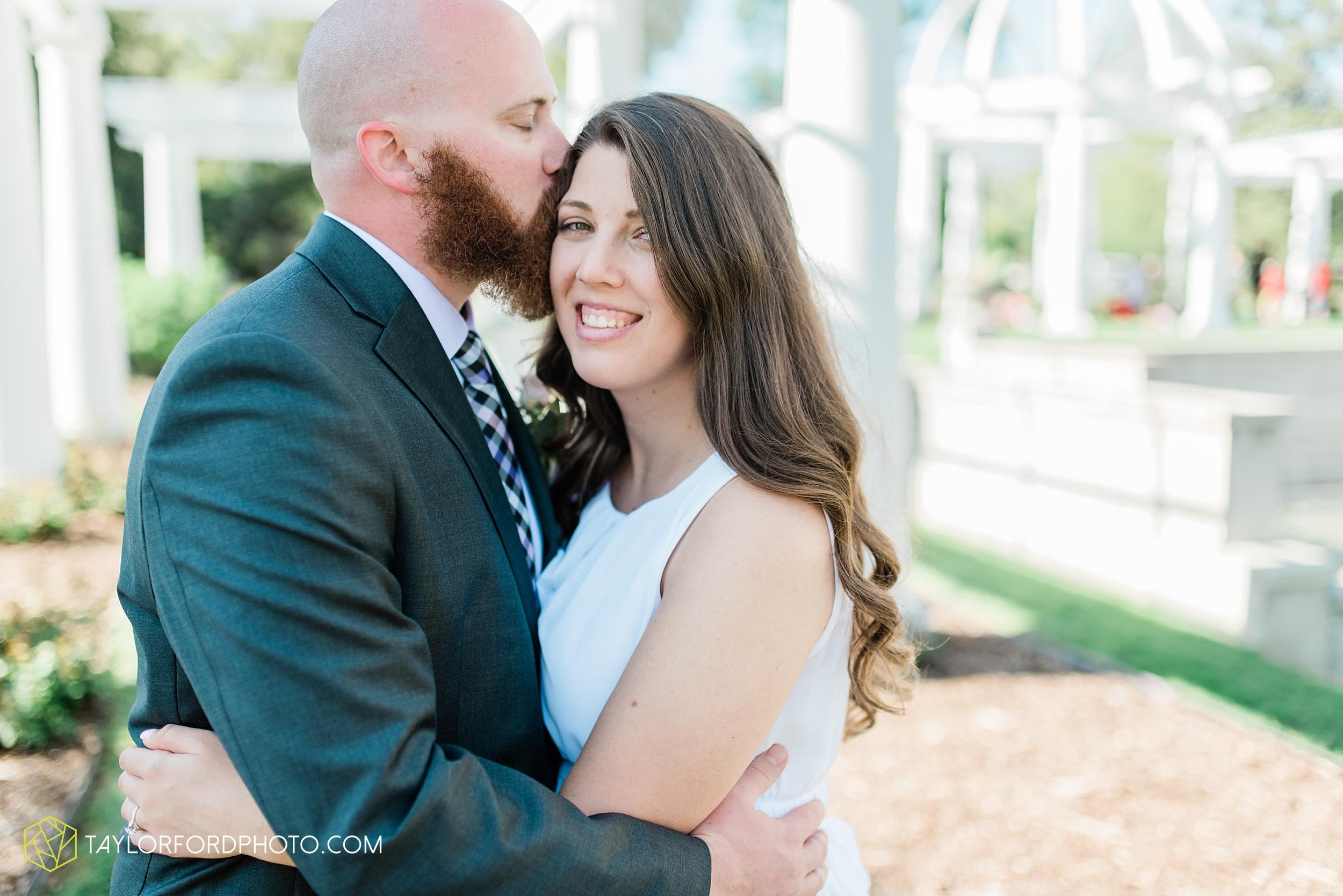 lakeside-rose-gardens-fort-wayne-indiana-elopement-wedding-photographer-Taylor-Ford-Photography_7175.jpg
