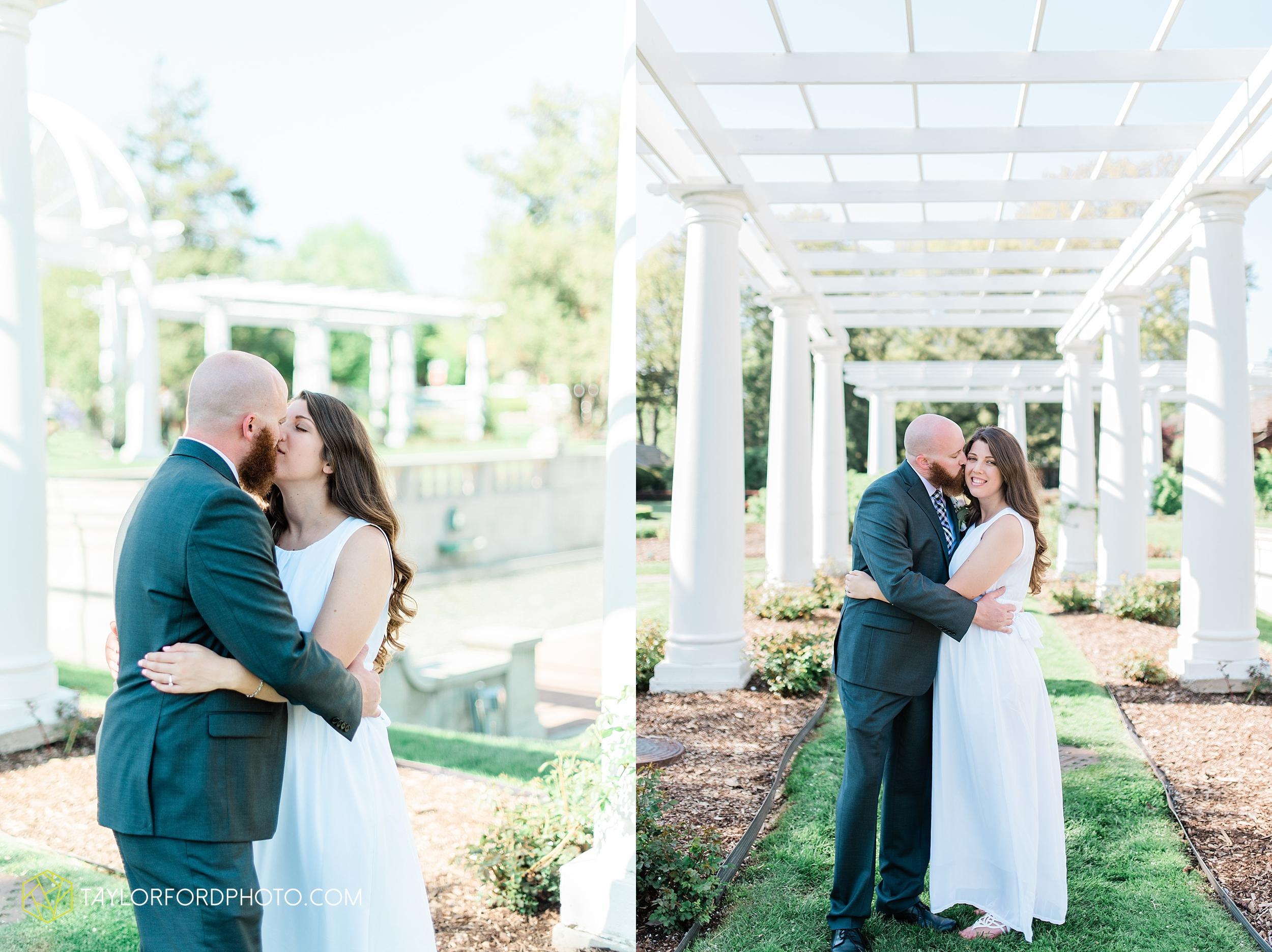 lakeside-rose-gardens-fort-wayne-indiana-elopement-wedding-photographer-Taylor-Ford-Photography_7174.jpg