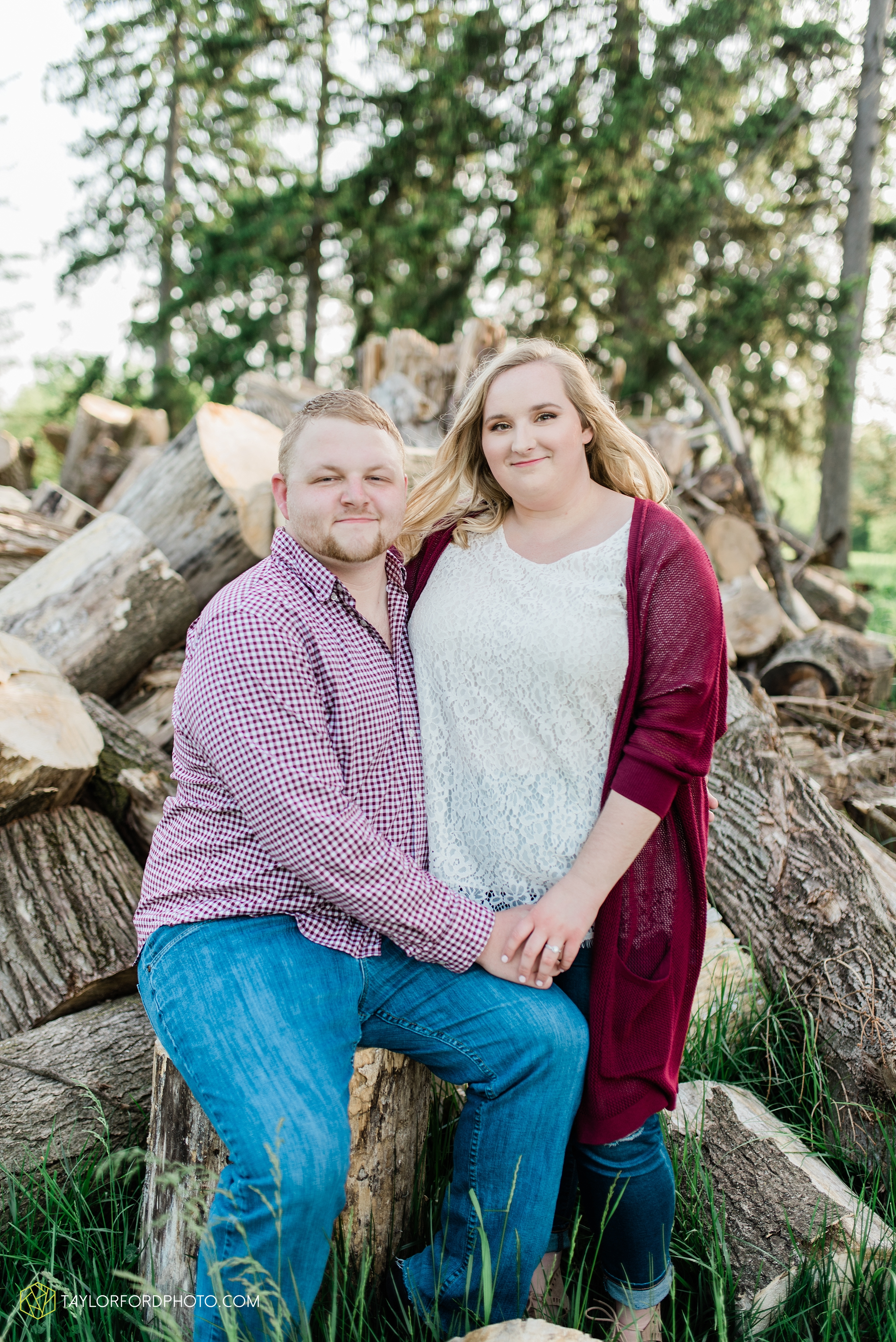 downtown-ipfw-fort-wayne-indiana-engagement-photographer-Taylor-Ford-Photography_7490.jpg