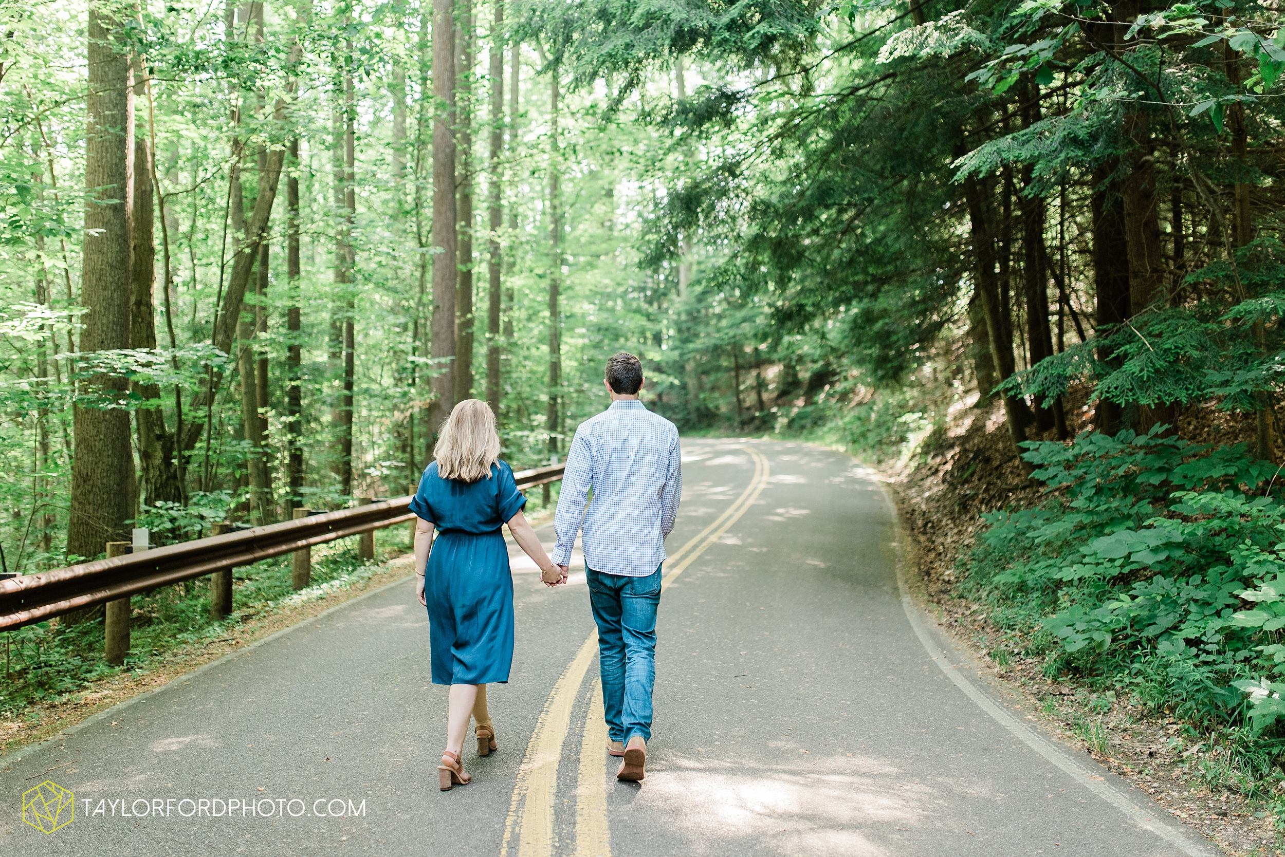 margo-evan-kohler-south-chagrin-reservation-chagrin-falls-cleveland-ohio-engagement-wedding-photographer-Taylor-Ford-Photography_8177.jpg