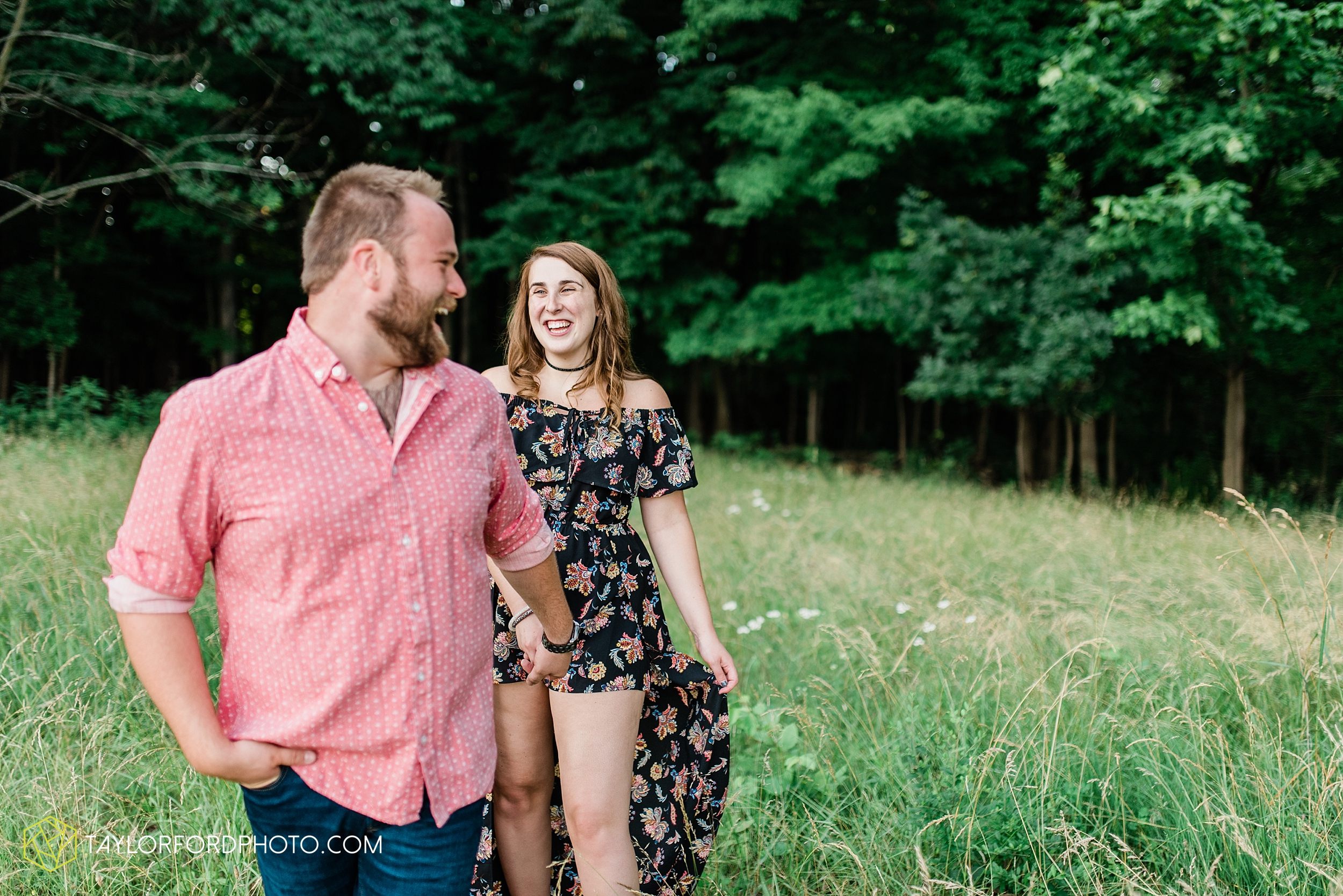 chelsey-jackson-young-downtown-fort-wayne-indiana-the-halls-deck-engagement-wedding-photographer-Taylor-Ford-Photography_8224.jpg