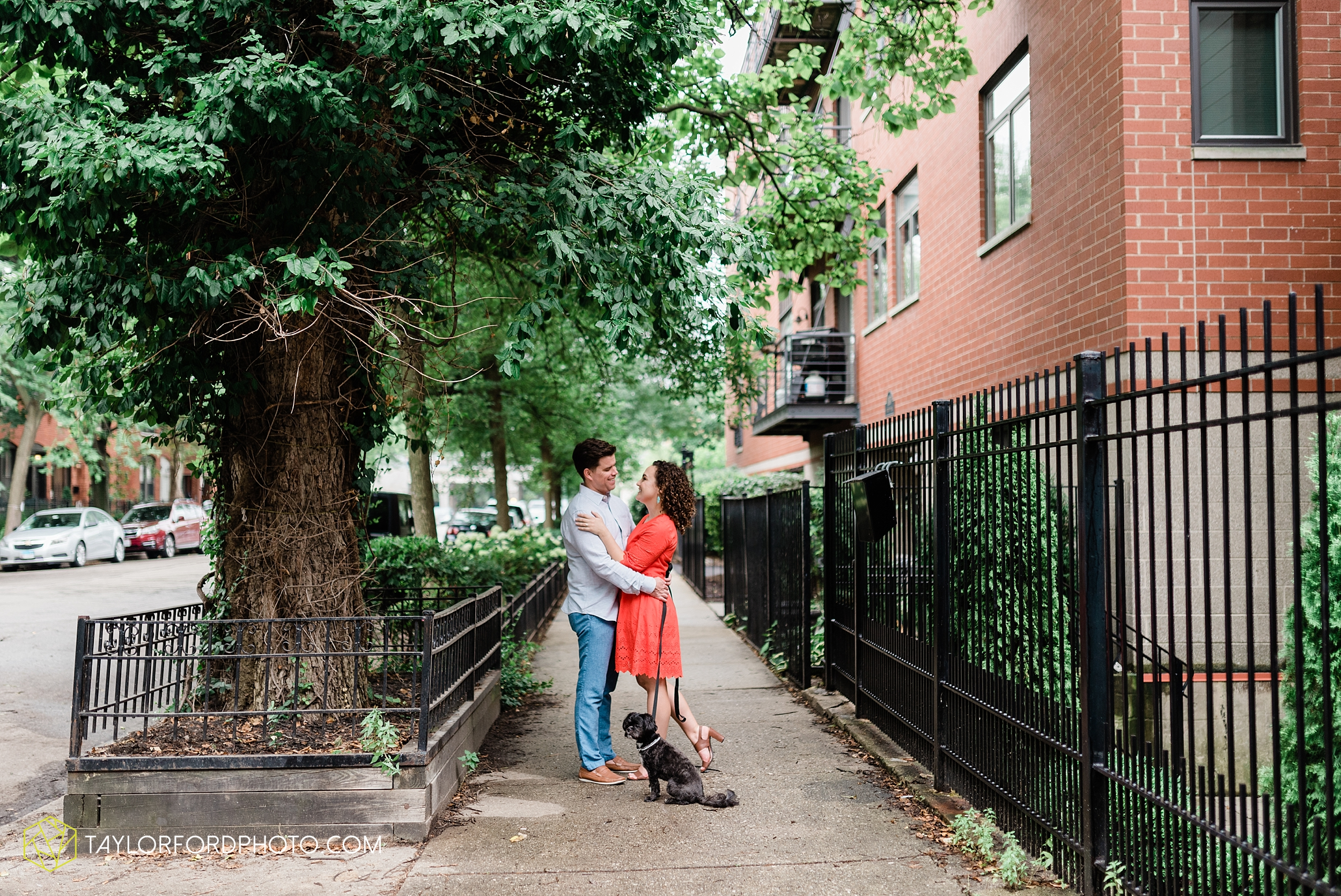 chicago-illinois-ipsento-606-high-line-wicker-park-bucktown-prosecutor-engagement-wedding-photographer-Taylor-Ford-Photography_8715.jpg