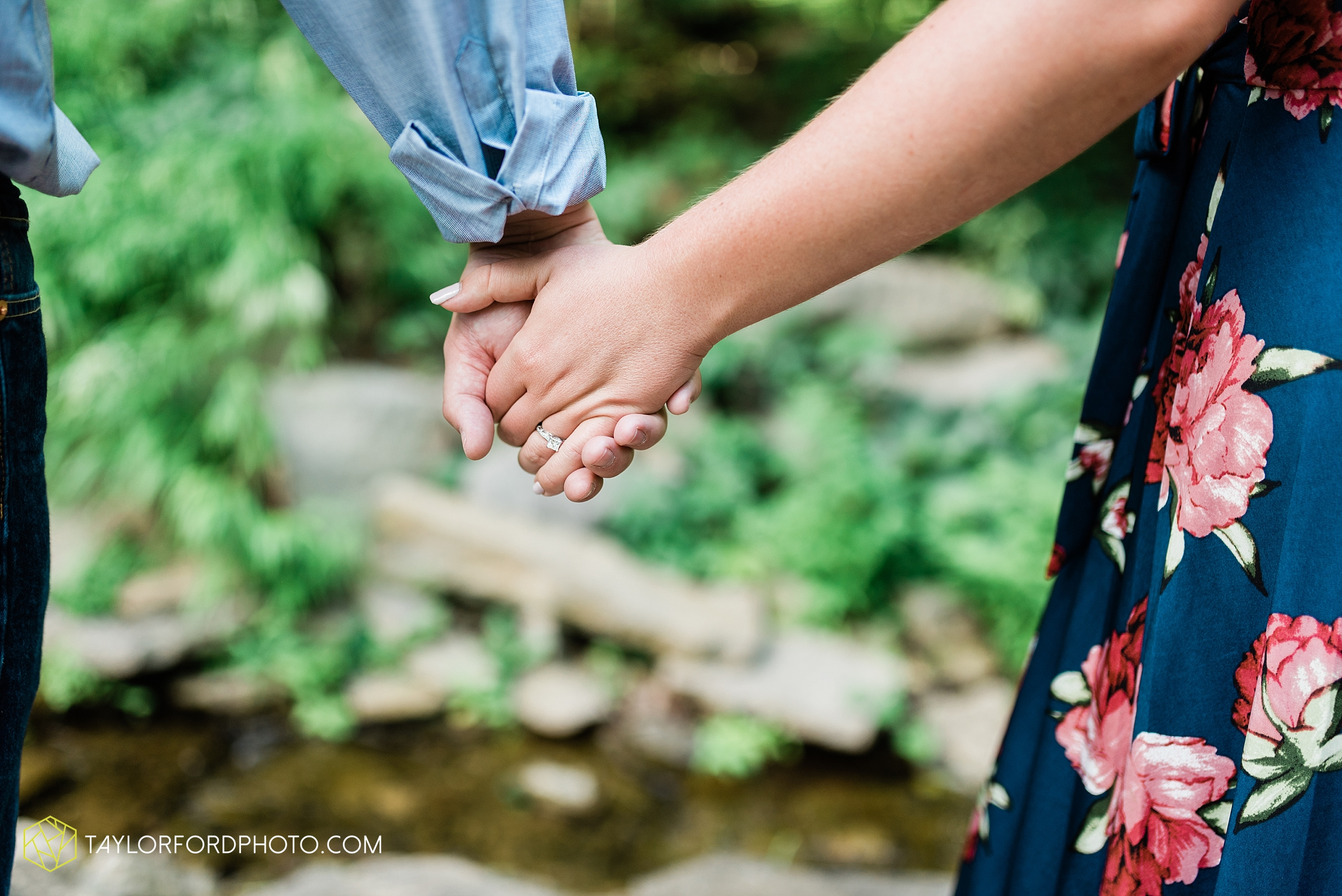 westerville-columbus-ohio-inniswood-metro-park-engagement-wedding-fourth-friday-photographer-Taylor-Ford-Photography_8766.jpg