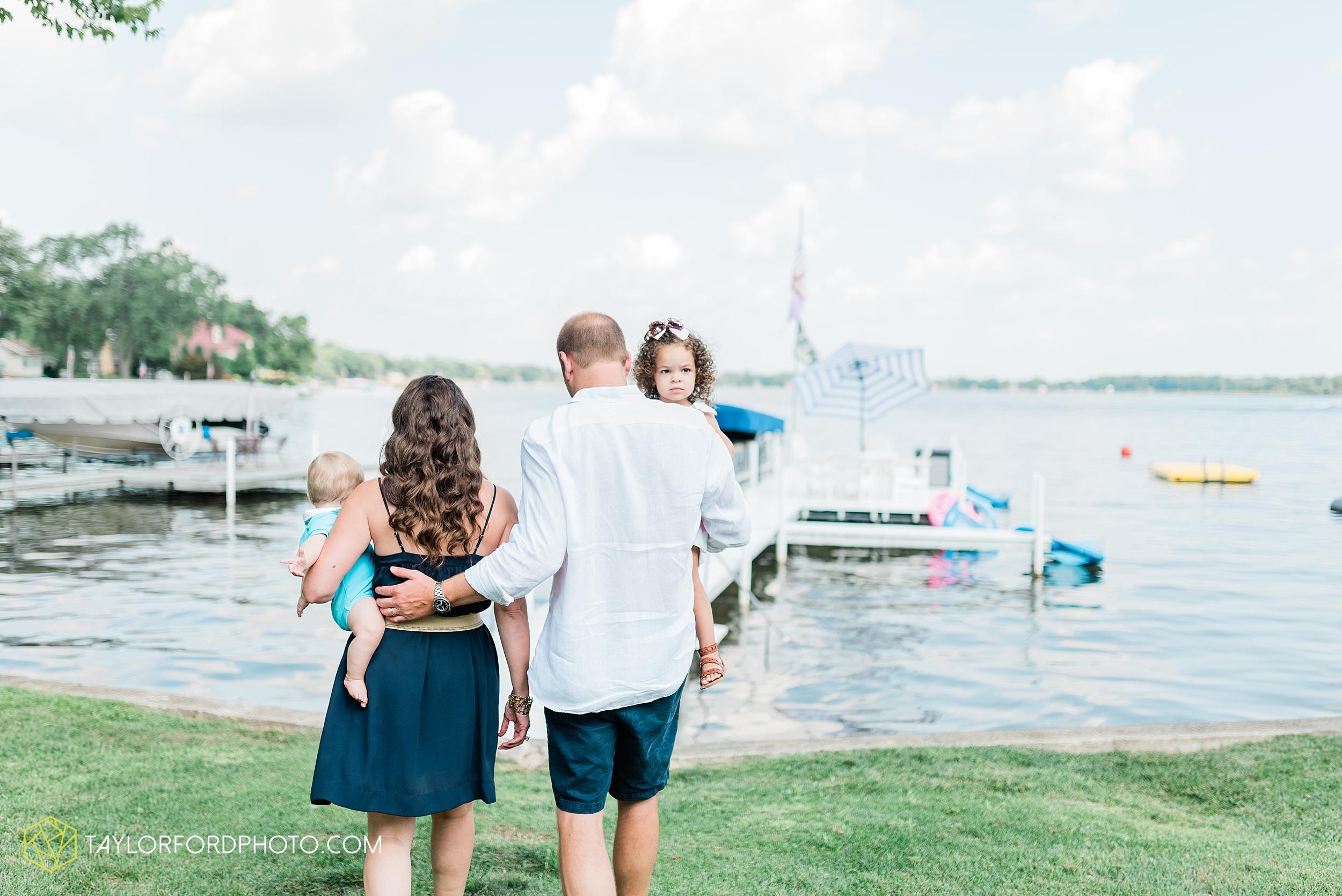 syracuse-indiana-lake-wawasee-family-lake-house-lakeside-park-lifestyle-photographer-taylor-ford-photographer_9424.jpg