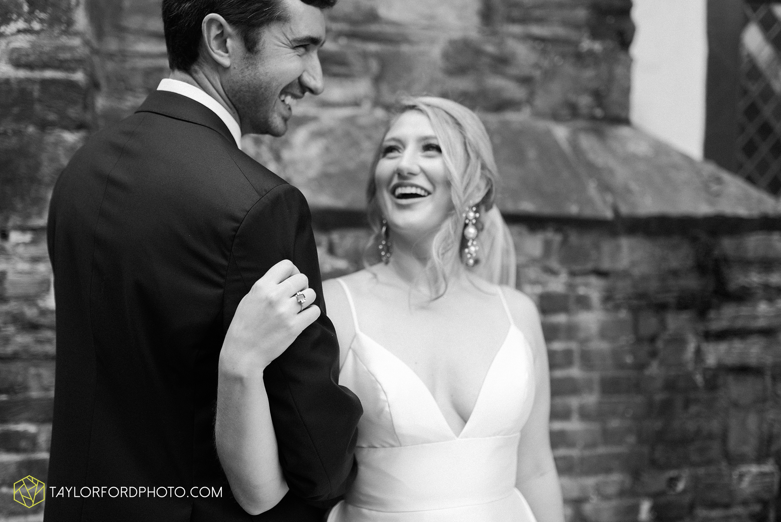 margot-may-evan-kohler-club-at-hillbrook-cleveland-chagrin-falls-outdoor-wedding-bhldn-gardenview-flowers-toledo-photographer-taylor-ford-photographer_9494.jpg