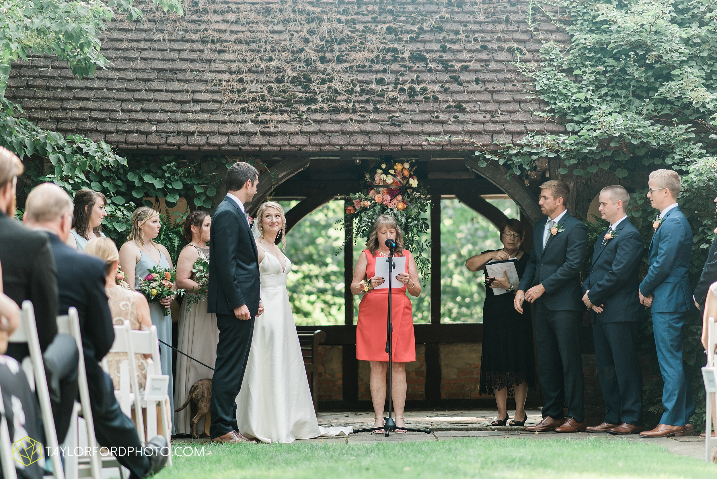 margot-may-evan-kohler-club-at-hillbrook-cleveland-chagrin-falls-outdoor-wedding-bhldn-gardenview-flowers-toledo-photographer-taylor-ford-photographer_9583.jpg