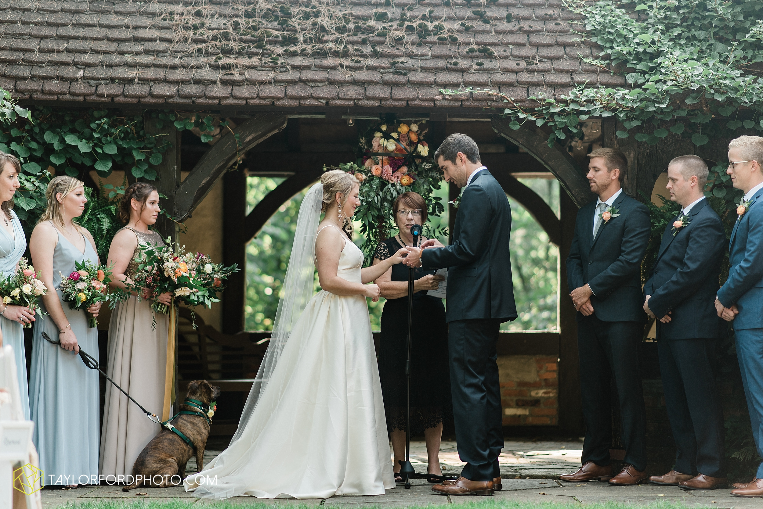 margot-may-evan-kohler-club-at-hillbrook-cleveland-chagrin-falls-outdoor-wedding-bhldn-gardenview-flowers-toledo-photographer-taylor-ford-photographer_9584.jpg
