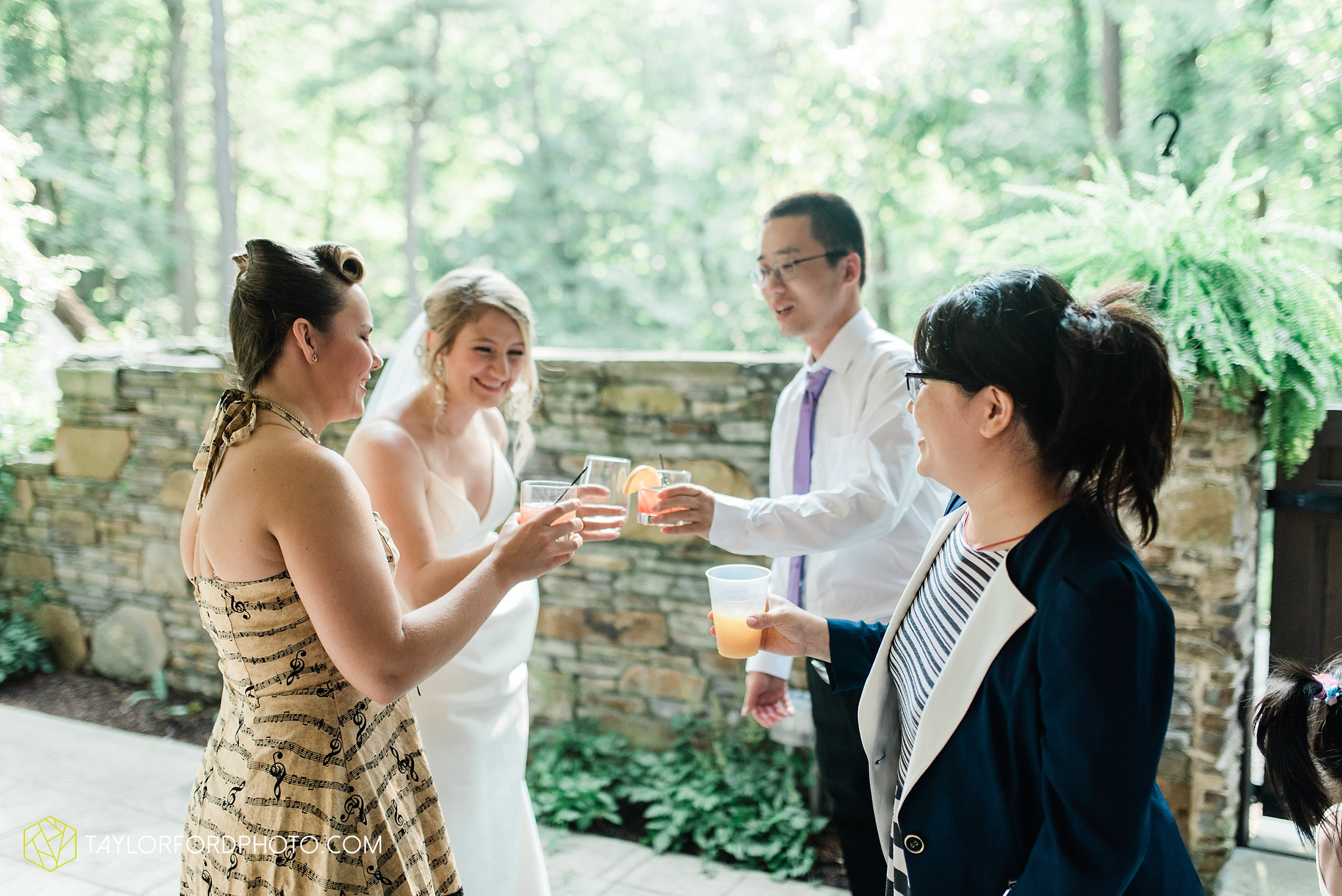 margot-may-evan-kohler-club-at-hillbrook-cleveland-chagrin-falls-outdoor-wedding-bhldn-gardenview-flowers-toledo-photographer-taylor-ford-photographer_9605.jpg