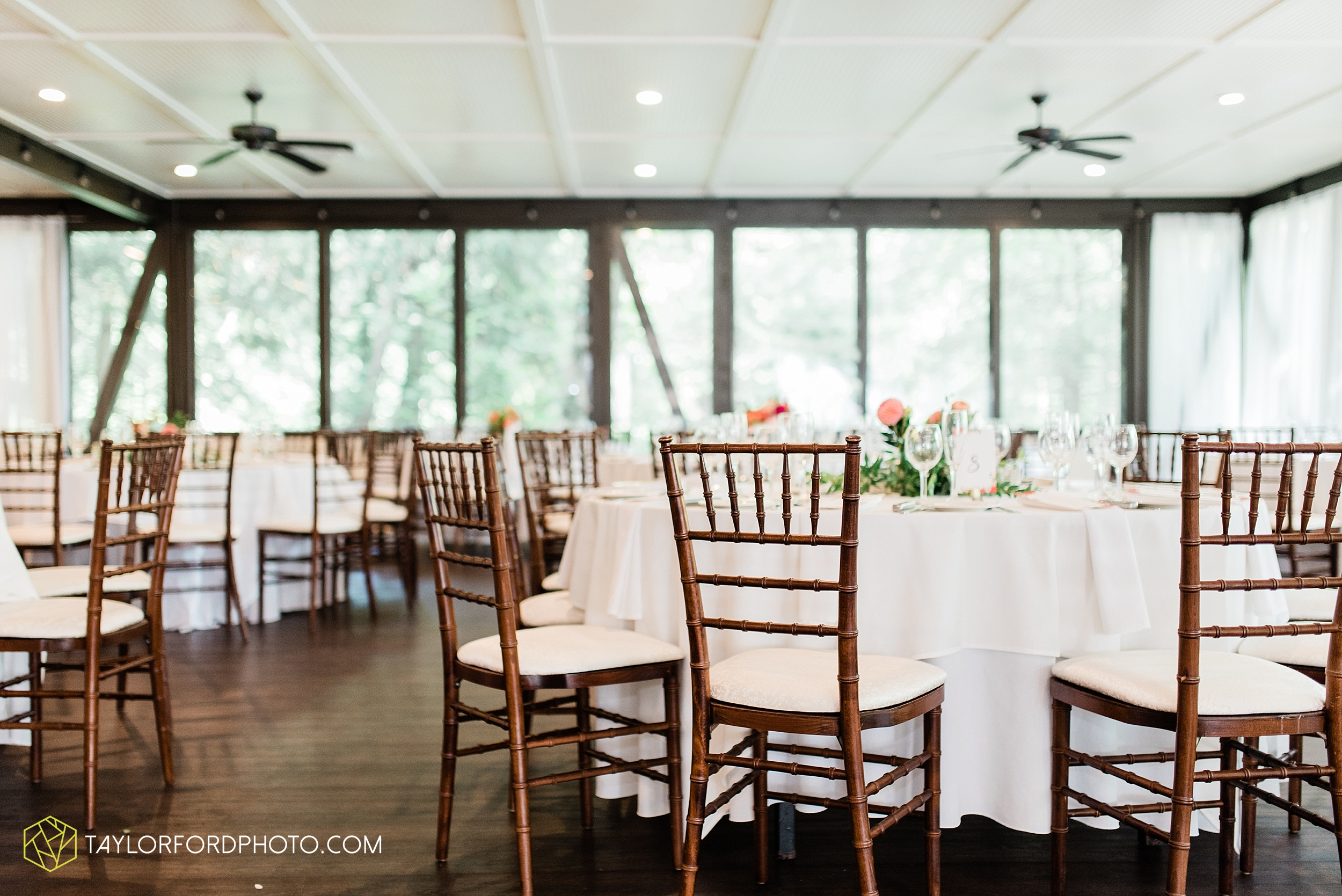 margot-may-evan-kohler-club-at-hillbrook-cleveland-chagrin-falls-outdoor-wedding-bhldn-gardenview-flowers-toledo-photographer-taylor-ford-photographer_9621.jpg