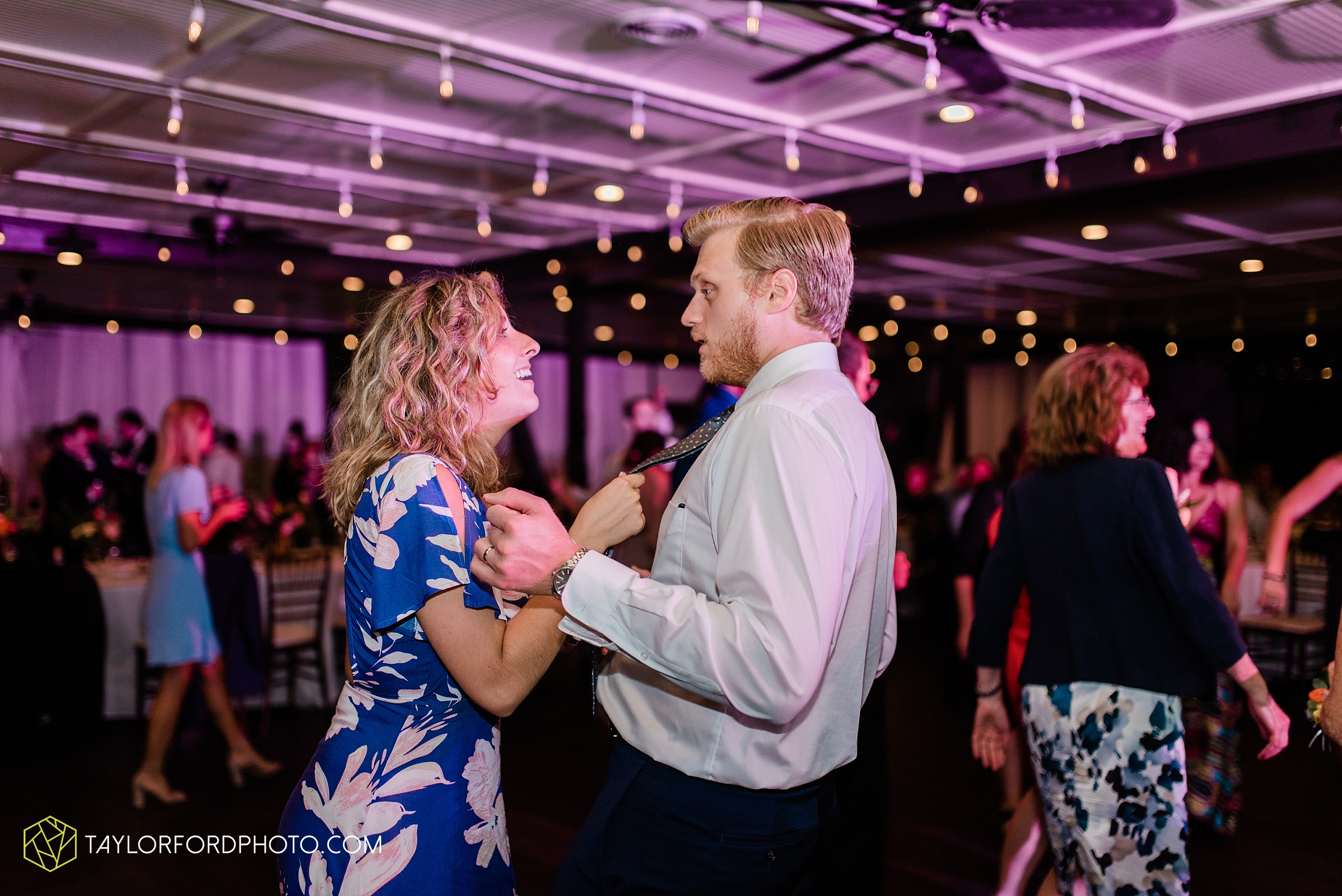 margot-may-evan-kohler-club-at-hillbrook-cleveland-chagrin-falls-outdoor-wedding-bhldn-gardenview-flowers-toledo-photographer-taylor-ford-photographer_9652.jpg