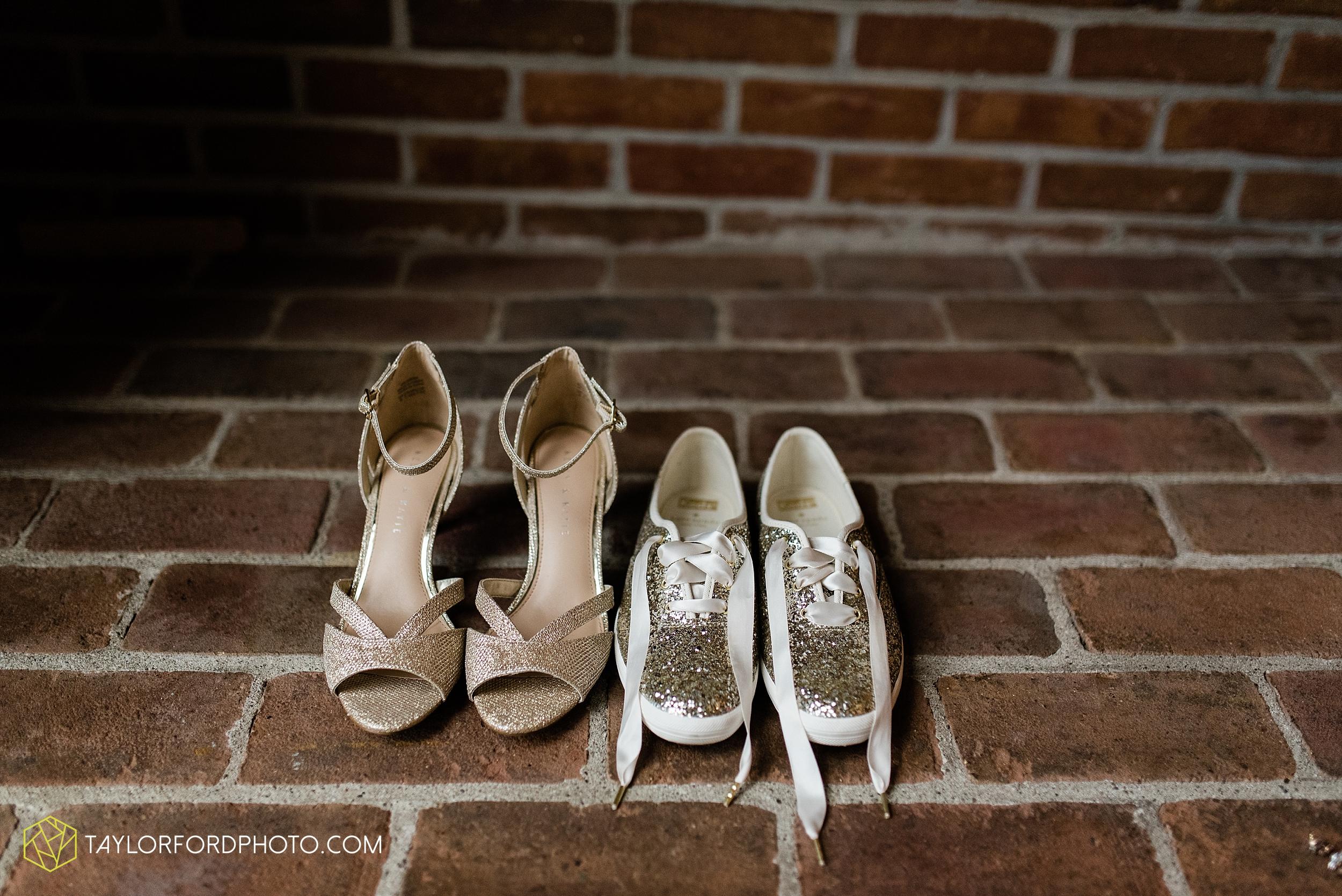 van-wert-ohio-first-united-methodist-church-county-dairy-barn-wedding-photographer-taylor-ford-photography_9805.jpg