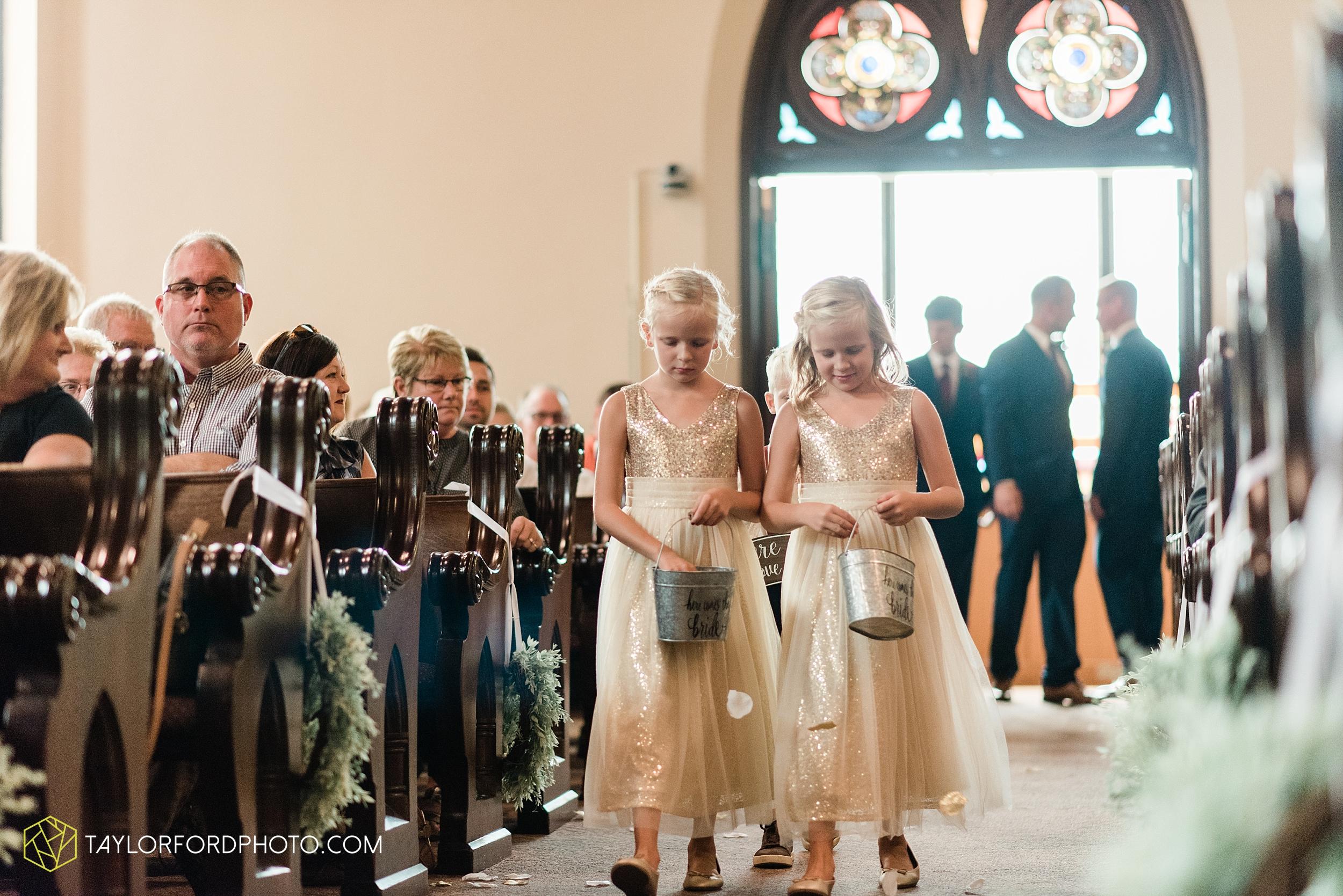van-wert-ohio-first-united-methodist-church-county-dairy-barn-wedding-photographer-taylor-ford-photography_9825.jpg