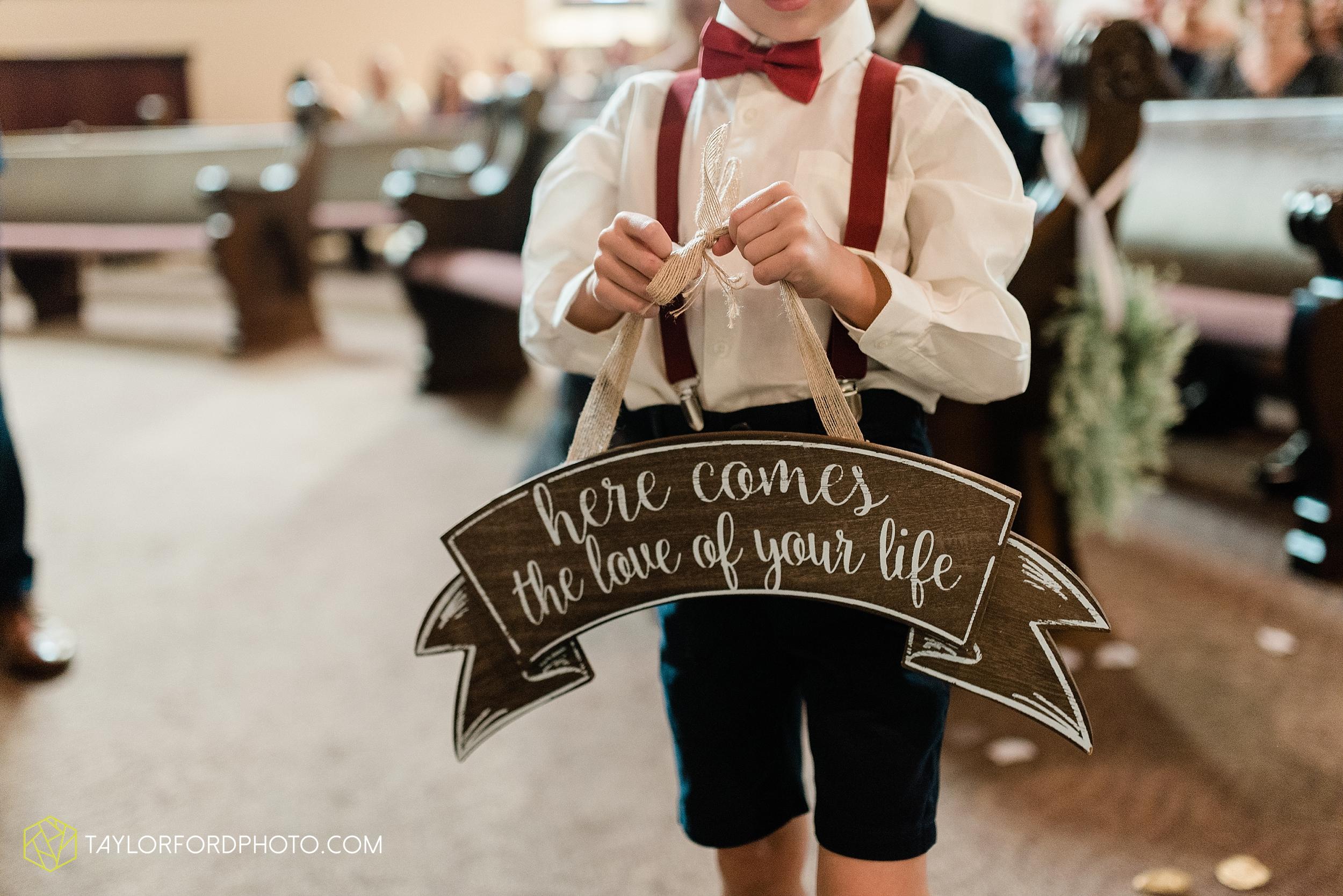 van-wert-ohio-first-united-methodist-church-county-dairy-barn-wedding-photographer-taylor-ford-photography_9826.jpg