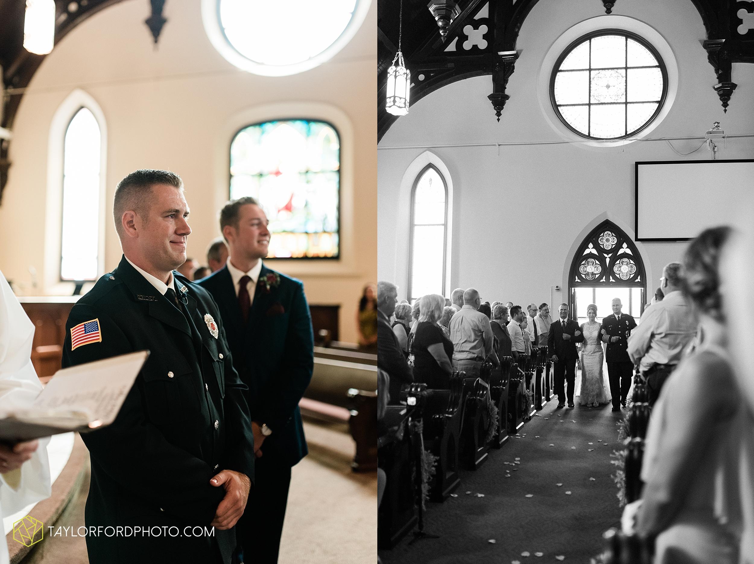 van-wert-ohio-first-united-methodist-church-county-dairy-barn-wedding-photographer-taylor-ford-photography_9828.jpg