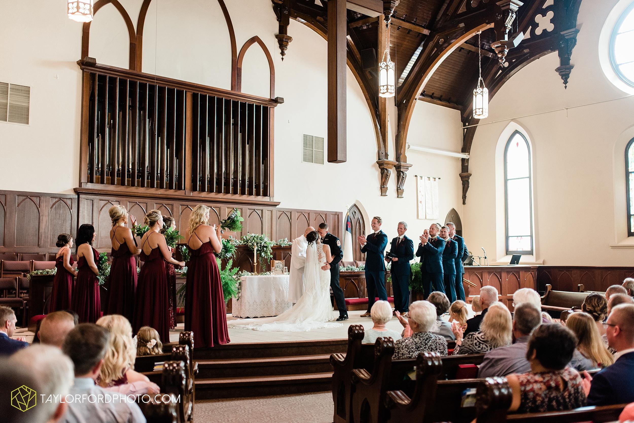 van-wert-ohio-first-united-methodist-church-county-dairy-barn-wedding-photographer-taylor-ford-photography_9834.jpg